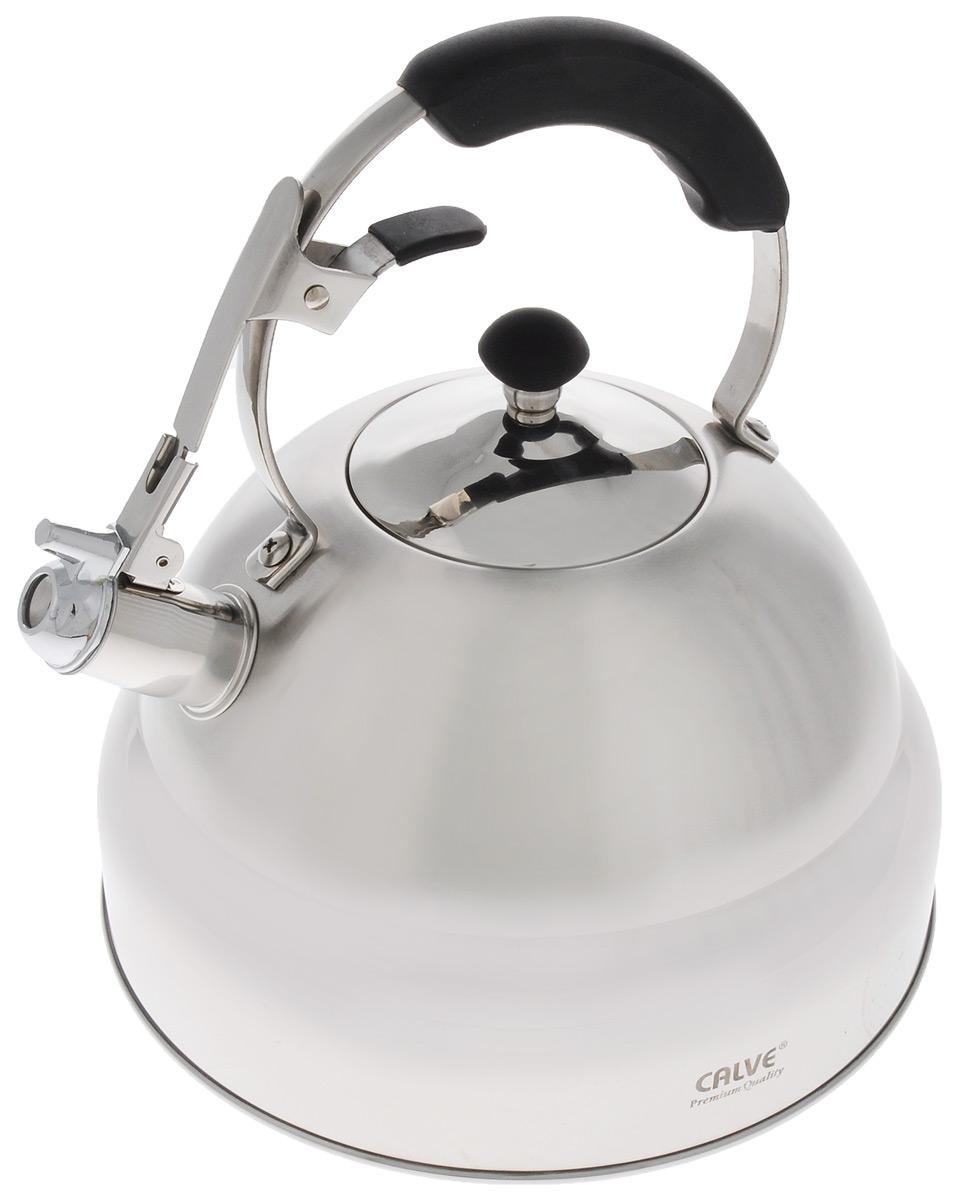 Чайник Calve, со свистком, 5 лCL-1469Чайник Calve изготовлен из высококачественной нержавеющей стали. Нержавеющая сталь обладает высокой устойчивостью к коррозии, не вступает в реакцию с холодными и горячими продуктами и полностью сохраняет их вкусовые качества. Термоаккумулирующее дно способствует высокой теплопроводности и равномерному распределению тепла. Чайник оснащен бакелитовой удобной ручкой, с кнопкой-закрепителем положения носика. Носик чайника имеет откидной свисток, звуковой сигнал которого подскажет, когда закипит вода. Подходит для всех типов плит, включая индукционные. Можно мыть в посудомоечной машине. Диаметр по верхнему краю: 10 см. Диаметр дна: 25 см. Высота ручки: 12 см.