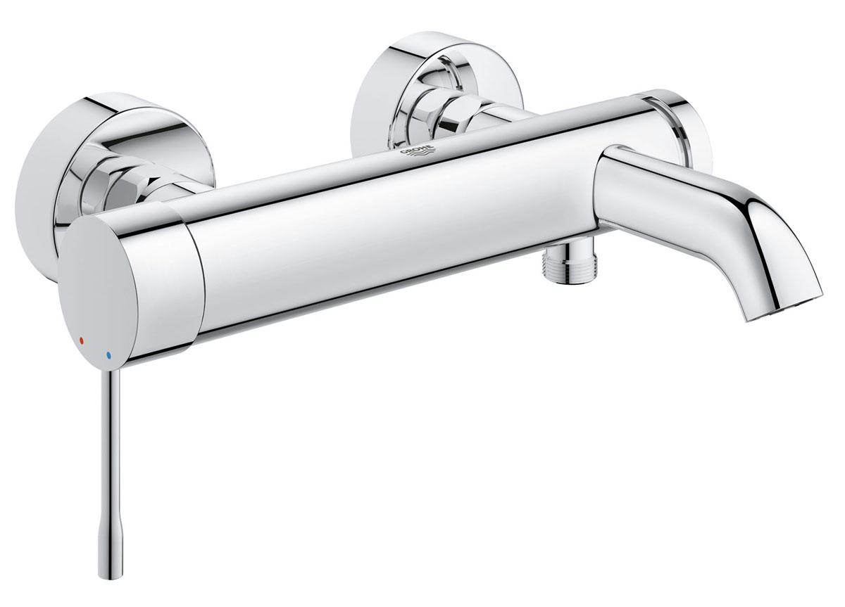 Смеситель для ванны Grohe Essence+BA900Смеситель для ванны Grohe привлекает к себе внимание цилиндрическими формами, сияющим хромированным покрытием StarLight и элегантным дизайном, который никогда не устареет. Одновременно с этим данный однорычажный смеситель отличается высоким уровнем функциональности - например, чрезвычайно плавным ходом рычага, позволяющим с легкостью регулировать напор и температуру воды. Автоматический переключатель позволяет перенаправлять струю воды между выпусками для ванны и душа, а обратный клапан предотвращает попадание сточной воды в систему водоснабжения. Этот стильный смеситель настенного монтажа придаст обновленную эффектность интерьеру вашей ванной комнаты.