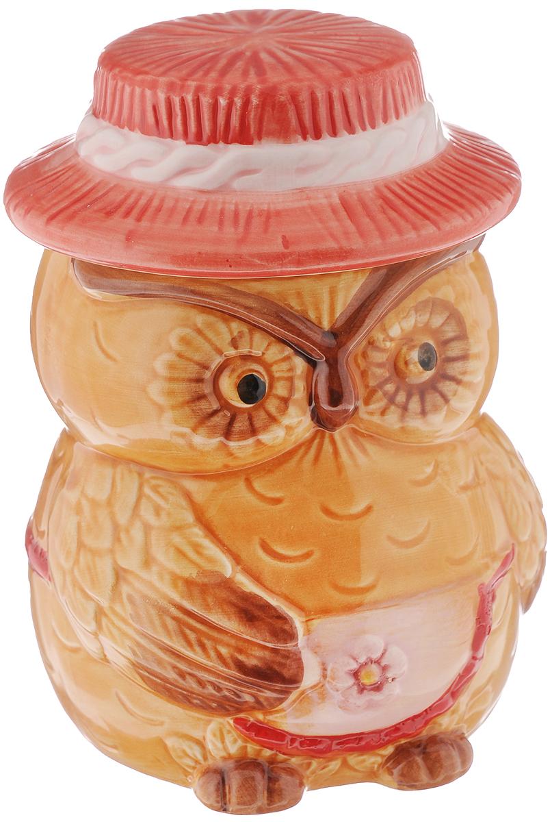 Горшочек для меда Elan Gallery Сова, 520 мл110468Оригинальный горшочек для меда Elan Gallery Сова, выполненный из высококачественной керамики, украсит вашу кухню, особенно на даче. Изделие снабжено плотно закрывающейся крышкой. Можно использовать для сыпучих продуктов - соли и сахара. Не рекомендуется применять абразивные моющие средства. Не использовать в микроволновой печи. Диаметр (по верхнему краю): 7,5 см. Высота (без учета крышки): 10,5 см.