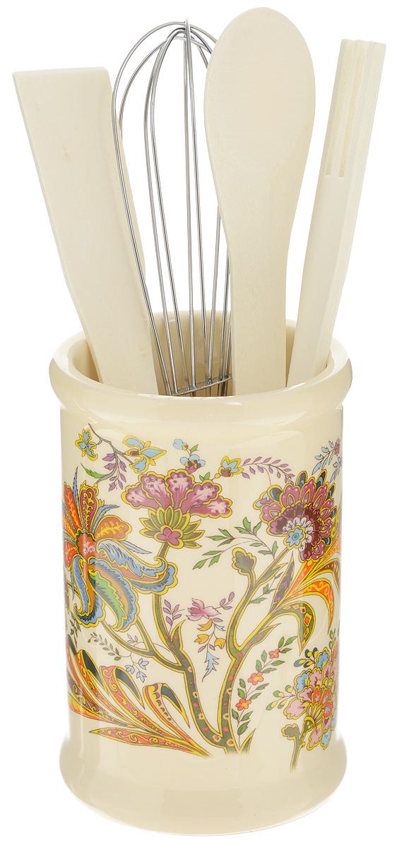 Набор кухонных принадлежностей Loraine, 5 предметов. 2483324833Набор кухонных принадлежностей Loraine состоит из ложки, лопатки, вилки, венчика и подставки. Ложка, вилка и лопатка выполнены из натурального дерева. Венчик выполнен из металла. Подставка изготовлена из доломитовой керамики, в виде вазы, украшенной красочным цветочным изображением. Эксклюзивный дизайн, эстетичность и функциональность набора Loraine позволят ему занять достойное место среди кухонного инвентаря. Длина ложки: 21 см. Размер рабочей поверхности ложки: 4,5 х 3,3 х 0,3 см. Длина вилки: 20,5 см. Размер рабочей поверхности вилки: 4 х 3 х 0,3 см. Длина лопатки: 20,5 см. Размер рабочей поверхности лопатки: 6,5 х 2,5 х 0,3 см. Длина венчика: 21 см. Диаметр подставки (по верхнему краю): 8 см. Высота подставки: 12,5 см.