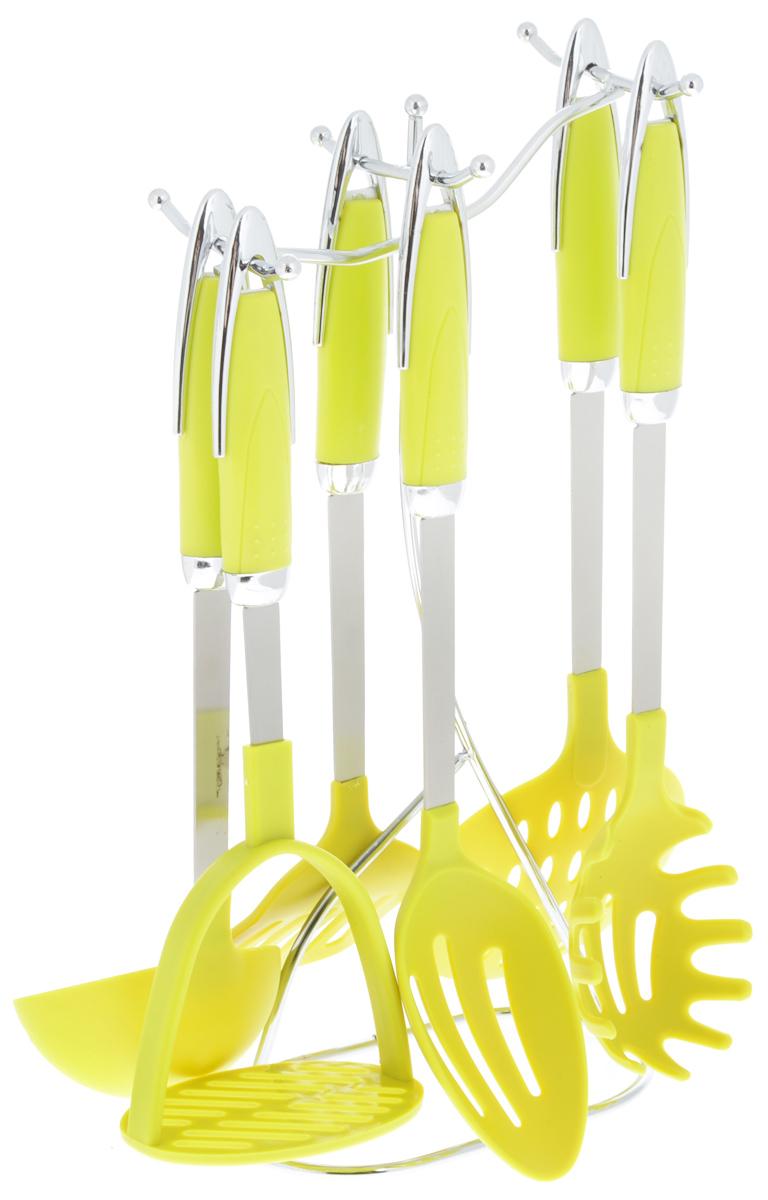 Набор кухонных принадлежностей Mayer & Boch, на подставке, цвет: салатовый, 7 предметов. 21227CM000001328Набор Mayer & Boch состоит из картофелемялки, ложки для спагетти, шумовки, ложки с прорезями, половника, лопатки с прорезями и подставки. Предметы набора хранятся в элегантной металлической подставке. Ручки изделий, выполненные из полипропилена, оснащены отверстием для подвешивания на крючок. Рабочие поверхности предметов набора изготовлены из нейлона. Аксессуары для кухни выполнены из высококачественной нержавеющей стали. Изделия из нержавеющей стали исключительно прочны, гигиеничны, не подвержены коррозии и химически устойчивы по отношению к органическим кислотам, солям и щелочам. Данный набор придаст вашей кухне элегантность, подчеркнет индивидуальный дизайн и превратит приготовление еды в настоящее удовольствие.Размер подставки: 17 х 10 х 36,5 см.Длина половника: 30 см.Размер рабочей поверхности половника: 9 х 9 см.Длина шумовки: 37 см.Размер рабочей поверхности шумовки: 11,5 х 11,5 см.Длина ложки с прорезями: 34 см.Размер рабочей поверхности ложки: 10,5 х 6,5 см.Длина лопатки с прорезями: 34 см.Размер рабочей поверхности лопатки с прорезями: 9,5 х 7,5 см.Длина картофелемялки: 29,5 см.Размер рабочей поверхности картофелемялки: 10 х 7,5 см.Длина ложки для спагетти: 35 см.Размер рабочей поверхности ложки: 10 х 7 см.