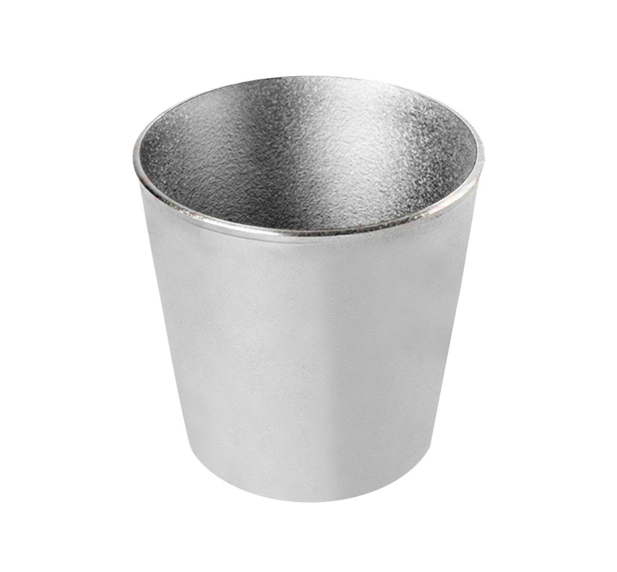 Форма для кулича Биол, 1 л94672Форма для кулича Биол изготовлена из прочного алюминия. Изделие специально предназначено для приготовления кулича. Можно использовать в духовом шкафу. Диаметр (по верхнему краю): 12 см. Диаметр основания: 9 см. Высота стенки: 12 см.