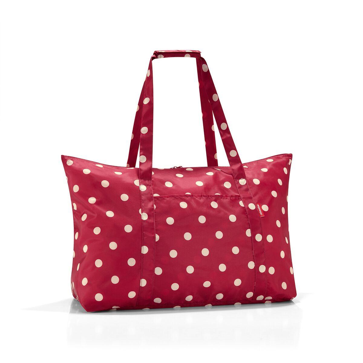 Сумка дорожная женская Reisenthel, цвет: красный. AG30143-47670-00504Идеальный компаньон для путешествий, ведь из поездки мы всегда возвращаемся со множеством сувениров и покупок. Так что еще одна сумка пригодится. Она легко складывается в маленький чехол, которые можно взять с собой в сумке или рюкзаке. Так же можно использовать для похода за продуктами.Внутренний объем сумки - 30 литров. Есть внешний кармашек для мелочей. Для удобства ручки сумки можно соединить между собой.