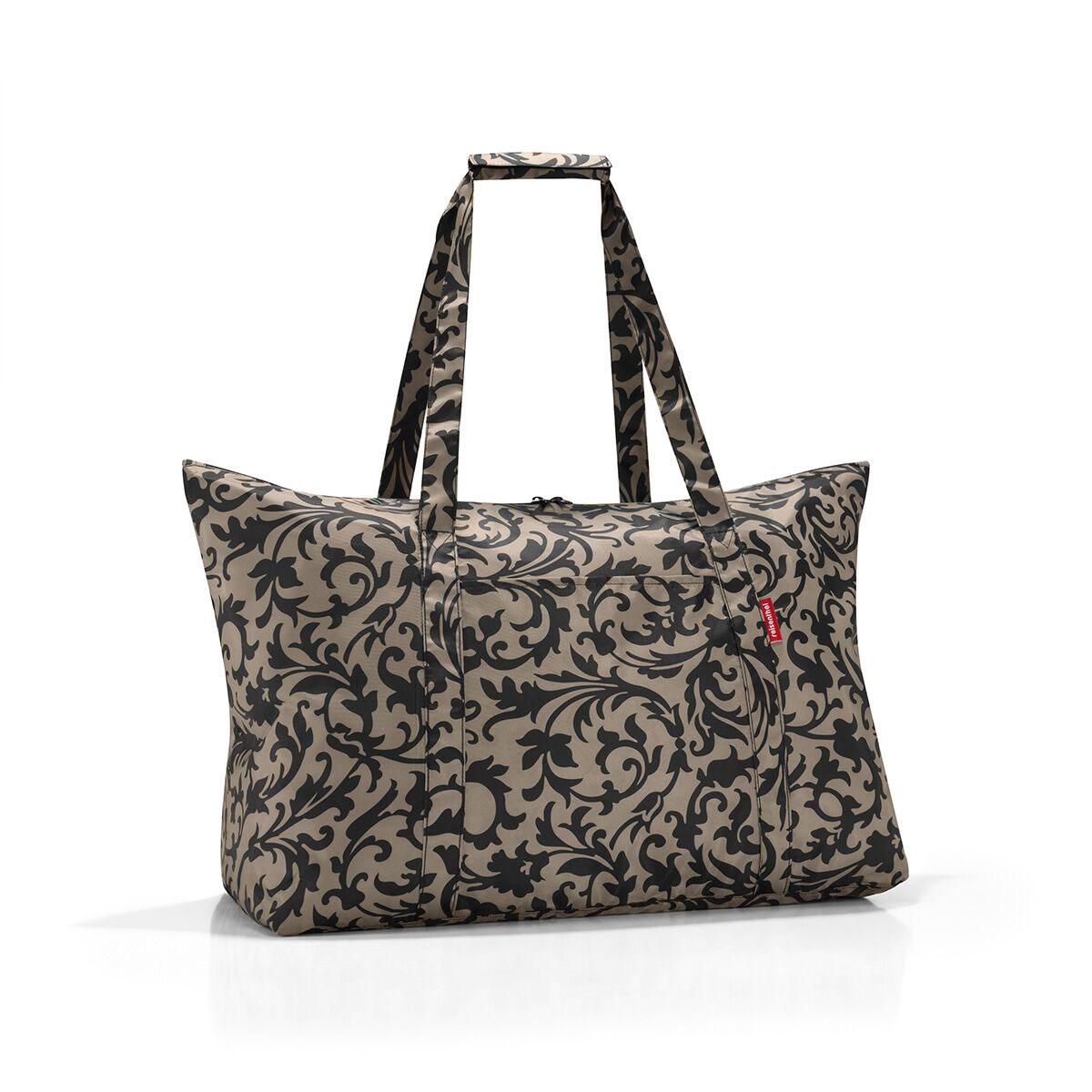 Сумка дорожная жен. Reisenthel, цвет: бежевый. AG70273-47670-00504Идеальный компаньон для путешествий, ведь из поездки мы всегда возвращаемся со множеством сувениров и покупок. Так что еще одна сумка пригодится. Она легко складывается в маленький чехол, которые можно взять с собой в сумке или рюкзаке. Так же можно использовать для похода за продуктами.Внутренний объем сумки - 30 литров. Есть внешний кармашек для мелочей. Для удобства ручки сумки можно соединить между собой.