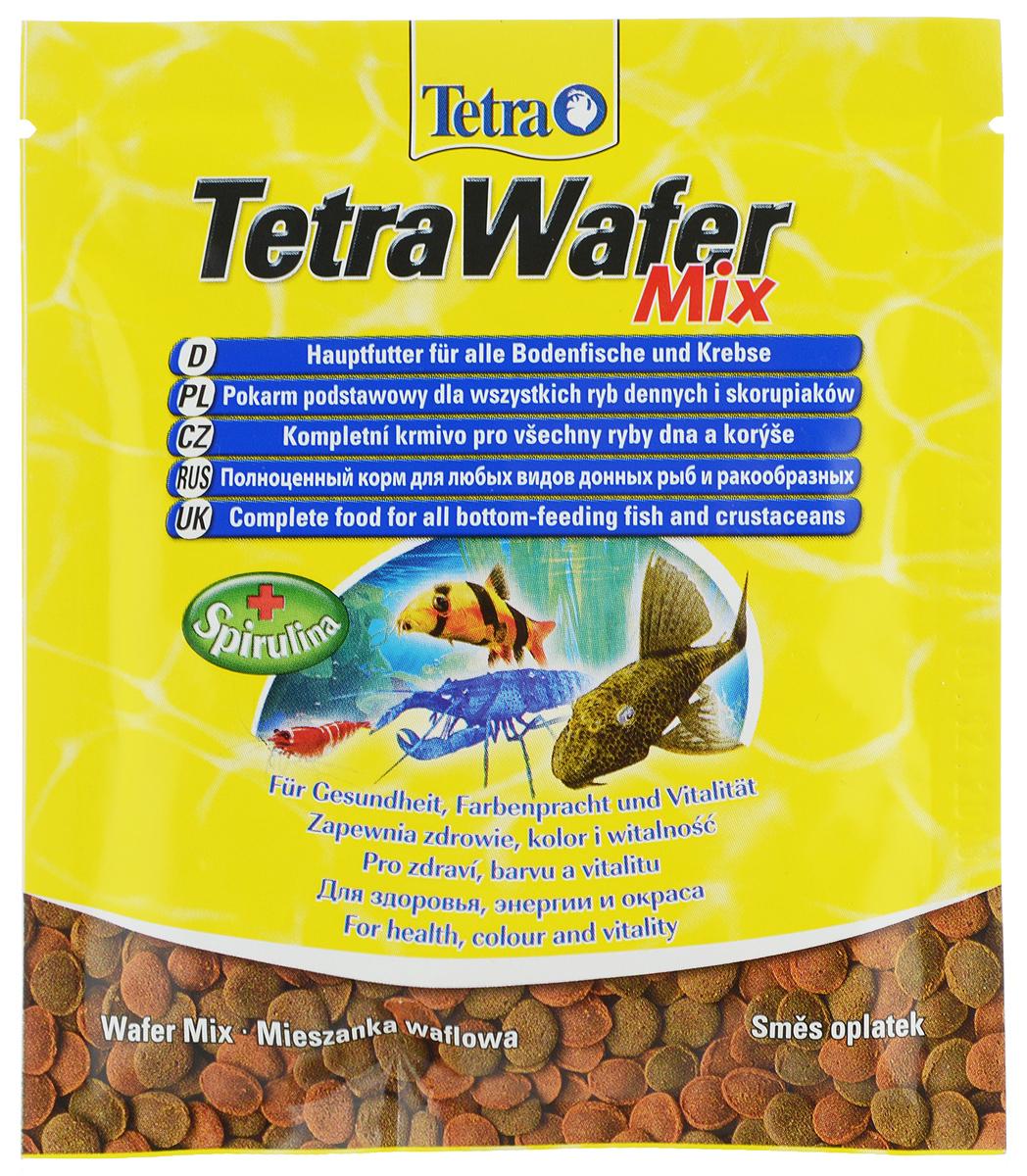 Корм Tetra TetraWafer Mix для всех видов донных рыб и ракообразных, пластинки, 15 г134461Корм Tetra TetraWafer Mix - это высококачественная смесь основного корма и креветок для кормления травоядных, хищных и донных рыб. Идеально подходит для кормления ракообразных (креветок, крабов, раков), сомовых и других придонных обитателей. Для травоядных донных рыб в аквариуме идеально подходят зеленые пластинки из водорослей спирулины, а коричневые - идеальны для хищников. Корм не мутит и не загрязняет воду благодаря плотному составу. Форма пластинок соответствует свойствам природного корма, позволяет кормить рыб разных размеров. Множество отборных высококачественных компонентов, витаминов, минералов и аминокислот обеспечивают питательными и энергетическими потребностями даже наиболее требовательных видов аквариумных рыб. Рекомендации оп кормлению: кормить несколько раз в день маленькими порциями. Состав: рыба и побочные рыбные продукты, экстракты растительного белка, зерновые культуры, растительные продукты, моллюски и раки, дрожжи, водоросли...