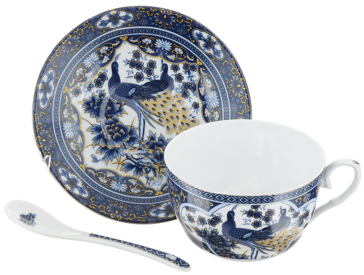Чайная пара Elan Gallery Синий павлин, 3 предмета730489Чайная пара Elan Gallery Синий павлин состоит из чашки, ложки и блюдца, изготовленных из керамики высшего качества, отличающегося необыкновенной прочностью и небольшим весом. Яркий дизайн, несомненно, придется вам по вкусу. Чайная пара Elan Gallery Синий павлин украсит ваш кухонный стол, а также станет замечательным подарком к любому празднику. Не рекомендуется применять абразивные моющие средства. Не использовать в микроволновой печи. Объем чашки: 250 мл. Диаметр чашки (по верхнему краю): 9,5 см. Высота чашки: 6 см. Диаметр блюдца (по верхнему краю): 14 см. Высота блюдца: 2 см. Длина ложки: 12,5 см.