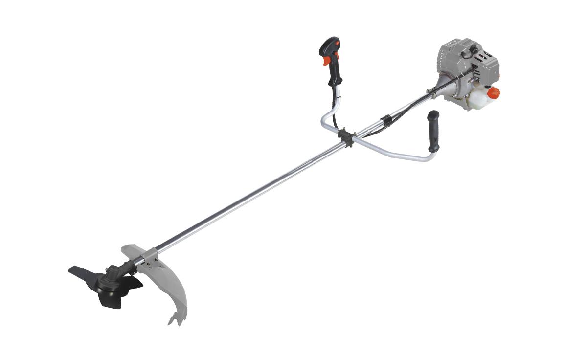 Триммер бензиновый Ставр ТБ-1400Лст1400лБензиновый триммер Ставр ТБ-1400Л - легкий инструмент, при помощи которого можно подравнять траву на приусадебном участке, возле садового домика. В качестве режущего элемента используется нейлоновая леска или нож. Объем двигателя: 42,7 см3. Мощность: 1,4 кВт. Ширина скашивания: 44 см. Количество оборотов (леска): 9000 об/мин. Количество оборотов (нож): 9500 об/мин. Тип штанги: неразборная. Топливная смесь: бензин АИ-92+Масло 25:1.