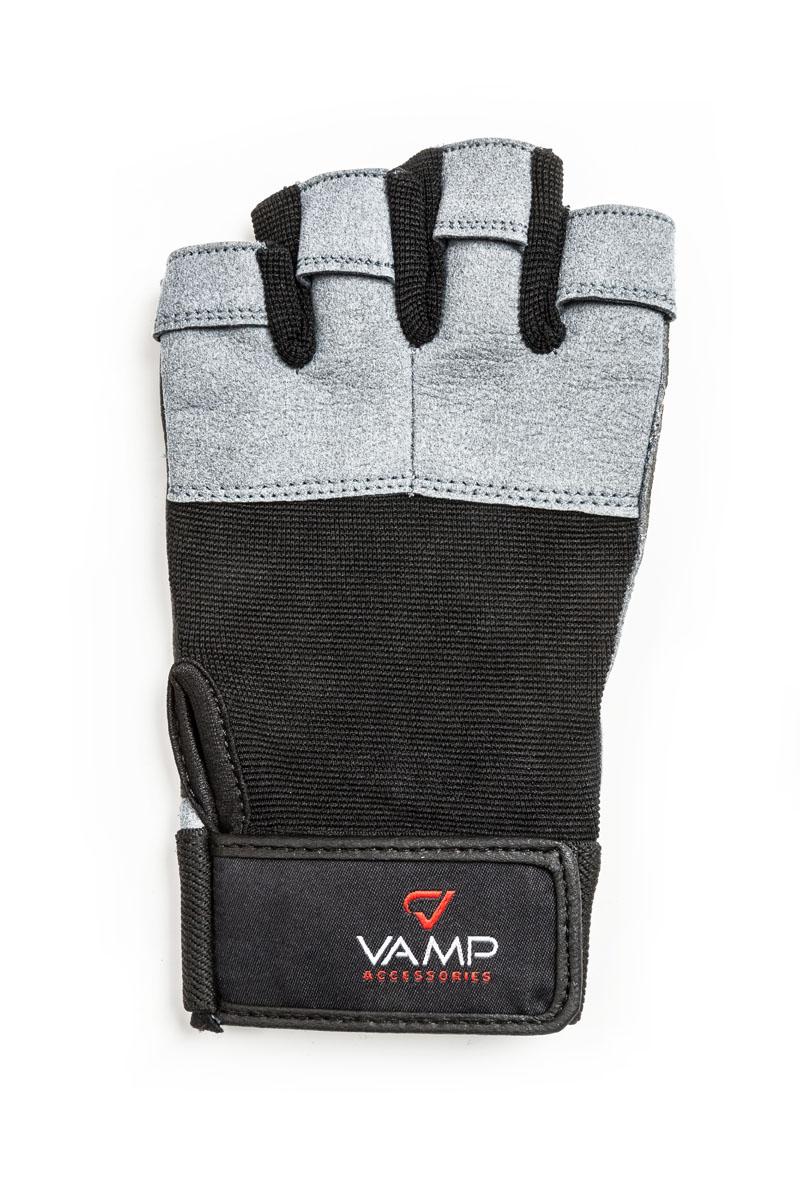 Перчатки для фитнеса Vamp мужские, цвет: серый. 530. Размер XL40162Мужские перчатки повышенной прочности – для серьезных нагрузок. Для пауэрлифтинга и бодибилдинга. - Легко и просто снимаются с руки после тяжелой тренировки благодаря специальным вкладкам на пальцах. - Застежка на липучке прочно фиксирует перчатку и удобно регулируется. - Между пальцами вставлена многослойная лайкра.