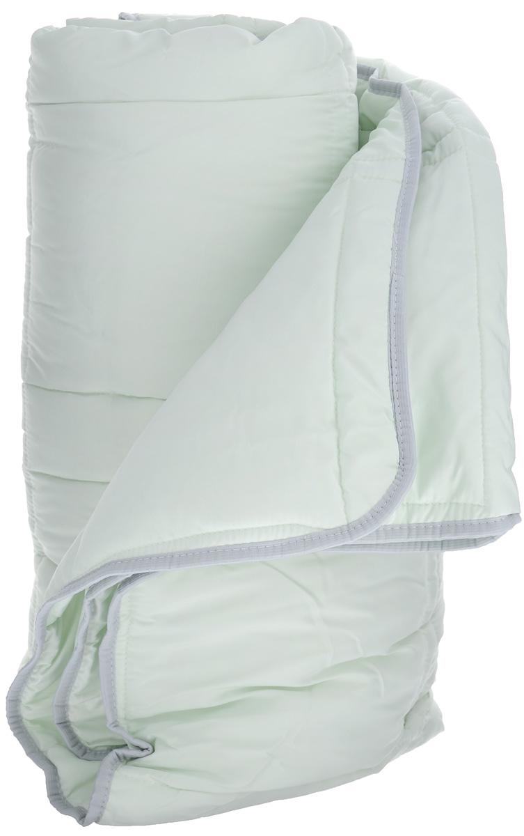 Одеяло TAC Casabel, наполнитель: силиконизированное волокно, цвет: светло-зеленый, 170 х 205 см7118B-8800003625Двуспальное одеяло TAC Casabel подарит вам здоровый и комфортный сон. Чехол одеяла выполнен из мягкого, приятного на ощупь полиэфира. Наполнитель одеяла - силиконизированное полиэфирное волокно. Это полое, не склеенное, скрученное волокно. Оно проходит высокую степень силиконизации, тем самым увеличивается его упругость. В изделиях это определяет срок службы. Наполнитель экологически чистый, без запаха, не вызывает аллергии. Изделия с этим наполнителем отлично сохраняют тепло, держат объем, обладая при этом мягкостью и упругостью. Они легкие, гипоаллергенные, свободно пропускают воздух, в них не поселяются вредные микроорганизмы. Одеяло стирается в обычной стиральной машине, быстро сохнет, после стирки восстанавливает свой объем и форму. Одеяло простегано и окантовано, фигурная стежка равномерно удерживает наполнитель внутри и не позволяет ему скатываться. Ваше одеяло прослужит долго, а его изысканный внешний вид будет годами дарить вам уют. ...
