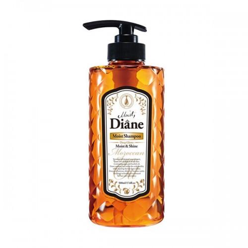 Шампунь Diane Moist & Shine Глубокое увлажнение сухих волос, 500 млds02Шампунь с ароматом лесных ягод на основе масел придаёт блеск и сияние, увлажняя и оживляя волосы изнутри. Защищает от пагубных ультрафиолетовых лучей, увлажняет кожу головы и способствует её регенерации, помогая избавиться от перхоти. Стимулирует рост волос и борется с их выпадением, укрепляя волосяные луковицы. Фитостерин как стабилизатор гормонального баланса и иммунной системы предотвращает развитие седины, выпадение волос и различные виды аллопеции. Кератин, попадая на волосы, проникает в их структуру, заполняет собой мельчайшие трещинки, склеивает посеченные кончики и наполняет волосы дополнительной прочностью и объёмом.Рекомендуется использовать в комплексе с бальзамом для волос той же линии.