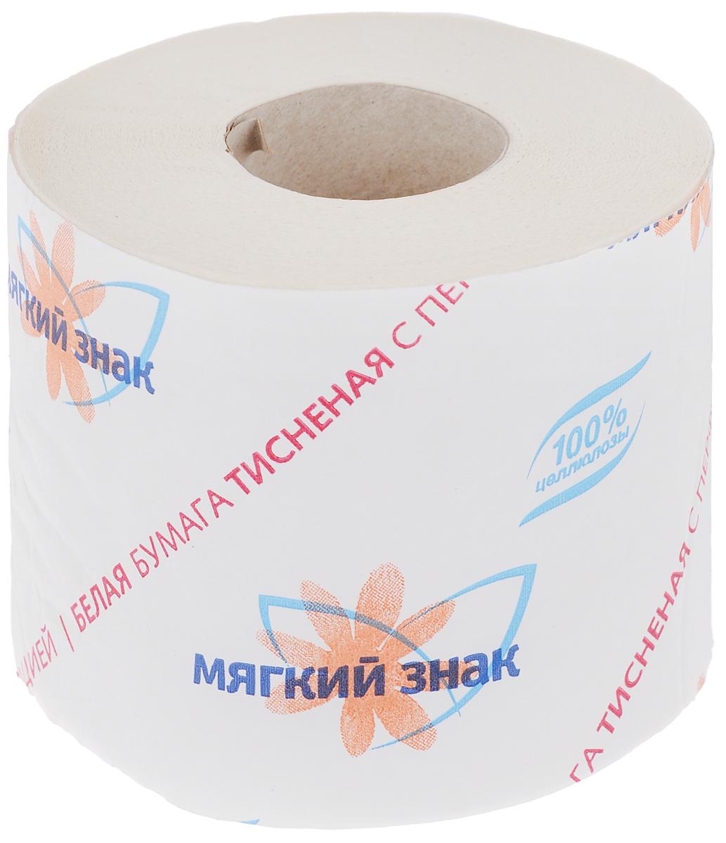 Бумага туалетная Мягкий знак, однослойная, цвет: белый, 52,5 мC28Туалетная бумага Мягкий знак изготовлена из целлюлозы белого цвета с тиснением. Однослойная туалетная бумага мягкая, нежная, но в тоже время прочная, с отрывом по линии перфорации. Состав: 100% целлюлоза. Количество слоев: 1. Размер листа: 12,5 см х 9 см. Длина рулона: 52,5 ± 2,6 м.