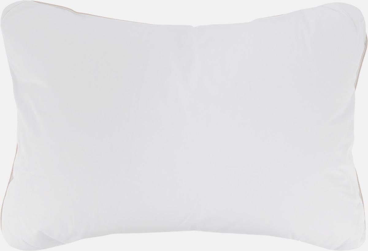 Подушка Легкие сны Comfort, наполнитель: пух, перо, 50 х 68 см57(14)05-ЛДПодушка в традиционном исполнении Легкие сны Comfort поможет расслабиться, снимет усталость и подарит вам спокойный и здоровый сон. Изделие обеспечит комфортную поддержку головы и шеи во время сна. Подушка наполнена гусиным пухом и пером. Облегченное исполнение гарантирует воздушность и терморегуляцию. Наполнитель не нужно взбивать, он превосходно сохраняет свою упругость, не сминается, быстро возвращается в исходный объем. Чехол подушки выполнен из натурального хлопка. По краю подушки выполнена отделка кантом. Рекомендации по уходу: Деликатная стирка при температуре воды до 30°С. Отбеливание, барабанная сушка и глажка запрещены. Разрешается обычная химчистка. Степень поддержки: упругая.