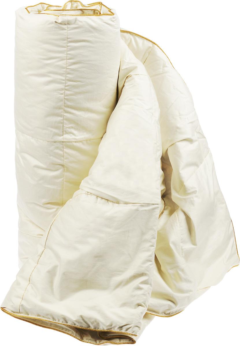 Одеяло легкое Легкие сны Sandman, наполнитель: гусиный пух категории Экстра, 140 x 205 см10503Легкое одеяло Легкие сны Sandman, благодаря своему наполнителю из серого пуха сибирского гуся категории Экстра, способно удерживать тепло во время сна. Кассетное распределение пуха способствует сохранению формы и воздушности изделия. Он обеспечит здоровый и максимально комфортный сон. Чехол одеяла выполнен из батиста (100% хлопка). По краю изделие отделано атласным кантом золотистого цвета. Одеяло Легкие сны Sandman подарит вам чувство невероятного расслабления, тепла и покоя, наполняющего вас новыми силами и энергией. Можно стирать в стиральной машине.