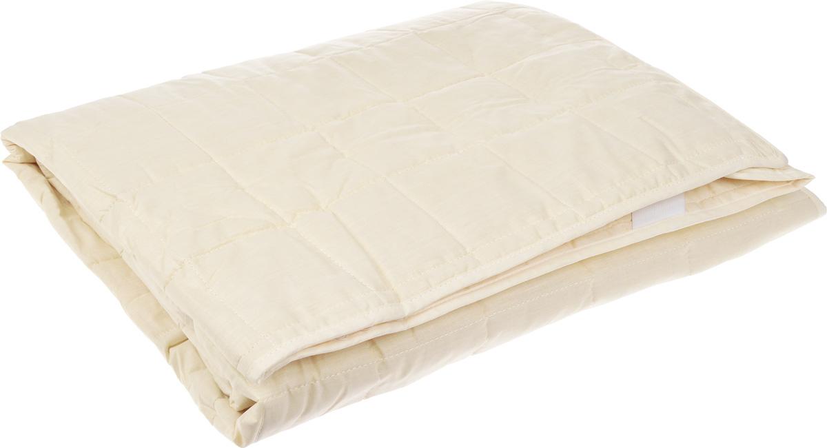 Наматрасник Легкие сны, наполнитель: овечья шерсть, 180 х 200 смНМ-180-ОШНаматрасник Легкие сны защитит ваш матрас от загрязнений, влаги и пыли, значительно продлевая срок его службы. В качестве наполнителя используется овечья шерсть. Шерсть овцы, благодаря волнистой структуре, хорошо сохраняет тепло и держит форму. Наматрасник, наполненный этим волокном, очень мягкий, легкий и обладает энергетикой натурального материала. Наличие в шерсти ланолина придает изделиям лечебно-профилактические свойства. Проникая в поры кожи, животный жир способствует уменьшению болей в спине. Такой наматрасник станет находкой для людей, страдающих радикулитом. Чехол изделия пошит из поликоттона, прочного и простого в уходе материала, не теряющего своих первоначальных свойств даже при частых стирках. Чехол простеган фигурной строчкой, поэтому наполнитель равномерно распределен внутри и не скатывается. Наматрасник фиксируется по углам при помощи эластичных лент, которые прочно удерживают изделие и не позволяют ему смещаться во...