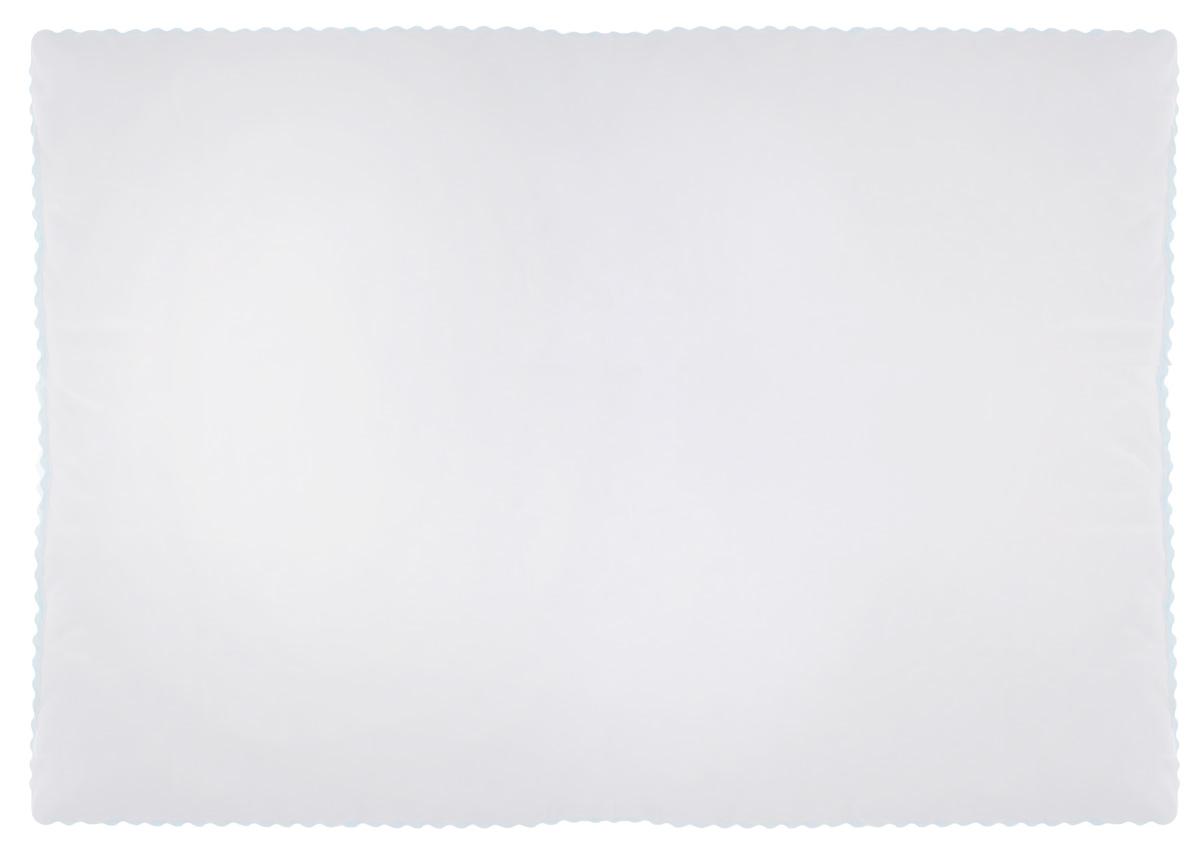 Подушка Легкие сны Перси, наполнитель: лебяжий пух, 50 х 68 см57(42)07-ЛППодушка Легкие сны Перси подарит вам непревзойденную мягкость и нежность, ощутите деликатную поддержку головы и шеи, дарящую легкое чувство невесомости. В качестве наполнителя используется синтетический сверхтонкий и практически невесомый материал, названный лебяжьим пухом. Изделия с наполнителем из искусственного пуха легкие, мягкие и не вызывают аллергии, хорошо пропускают воздух, за ними легко ухаживать. Важно заметить, что синтетический пух столь же легок и приятен на ощупь, что и его натуральный прототип. Чехол изделия выполнен из микрофибры (100% полиэстер) белого цвета с узорным тиснением, по краю подушки выполнена отделка зигзагообразным кантом бирюзового цвета. Подушку можно стирать в стиральной машине. Степень поддержки: мягкая.