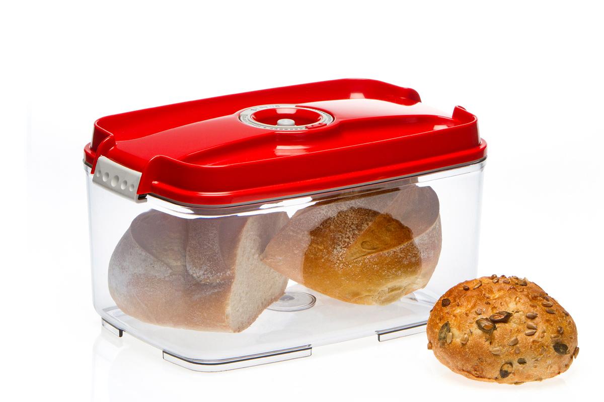 Контейнер вакуумный Status, цвет: прозрачный, красный, 4,5 лVAC-REC-45 RedВакуумный контейнер Status рекомендован для хранения следующих продуктов: фрукты, овощи, хлеб, колбасы, сыры, сладости, соусы, супы. Благодаря использованию вакуумных контейнеров, продукты не подвергаются внешнему воздействию и срок хранения значительно увеличивается. Продукты сохраняют свои вкусовые качества и аромат, а запахи в холодильнике не перемешиваются. Контейнер изготовлен из прочного хрустально-прозрачного тритана. На крышке - индикатор даты (месяц, число). Допускается замораживание (до -21 °C), мойка контейнера в посудомоечной машине, разогрев в СВЧ (без крышки). Объем контейнера: 4,5 л. Размер: 29,5 x 18,5 x 11,5 см.