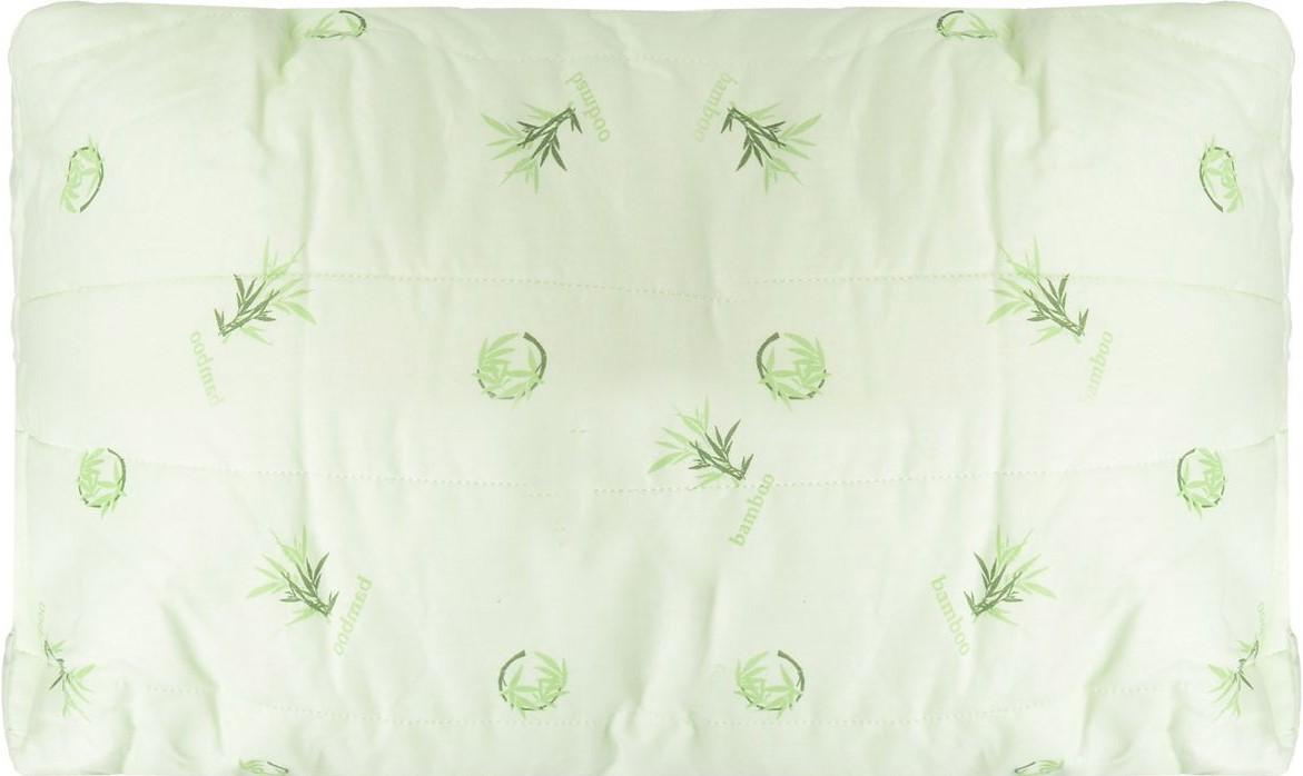 Подушка Легкие сны Бамбук, наполнитель: бамбуковое волокно, 38 х 60 см46(40)04-БВПодушка Легкие сны Бамбук подарит комфорт и уют во время сна. Стеганый чехол на молнии, выполненный из поплина (100% хлопка), позволяет регулировать высоту и мягкость подушки. Волокно бамбука - это натуральный материал, добываемый из стеблей растения. Он обладает способностью быстро впитывать и испарять влагу, а также антибактериальными свойствами, что препятствует появлению пылевых клещей и болезнетворных бактерий. Изделия с наполнителем из бамбука легко пропускают воздух, создавая охлаждающий эффект, поэтому им нет равных в жару. Они отличаются превосходными дезодорирующими свойствами, мягкие, легкие, нетребовательны в уходе, гипоаллергенные и подходят абсолютно всем. Основные свойства волокна: - дезодорирующий эффект; - антибактериальные свойства; - гипоаллергенные свойства. Подушку можно стирать в стиральной машине. Степень поддержки: средняя. Размер изделия: 38 х 60 см.