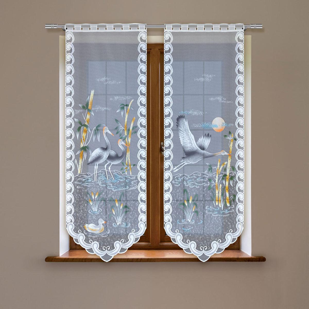 Гардина Haft, цвет: белый, высота 220 см. 4247Е/604247Е/60Гардина имеет в верхней части полотна прорези, через которые гардина-витраж вывешивается на карниз или можно крепить на зажим для штор,котрый в комплект не входит.Комплект состоит из двух полотен (выс.220* шир.60) Размеры: (высота 220* ширина 60)*2