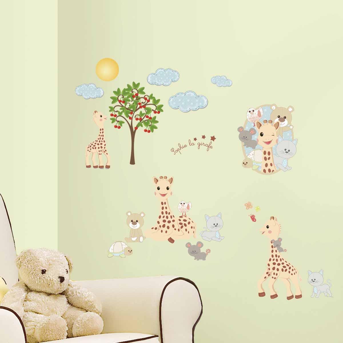RoomMates Наклейки для декора Жираф Софи67255-2Наклейки для декора Жираф Софи от знаменитого производителя RoomMates станут украшением вашей квартиры! Новый веселый набор наклеек для декора приведет в восторг малышей! Наклейки, входящие в набор, содержат изображения милых жирафов, мишек, котят, мышек, а также деревца, облачков и различных растений. Отлично подойдет для украшения комнаты совсем маленьких детей. Всего в наборе 30 стикеров. Наклейки не нужно вырезать - их следует просто отсоединить от защитного слоя и поместить на стену или любую другую плоскую гладкую поверхность. Наклейки многоразовые: их легко переклеивать и снимать со стены, они не оставляют липких следов на поверхности. В каждой индивидуальной упаковке вы можете найти 4 листа с различными наклейками! Таким образом, покупая наклейки фирмы RoomMates, вы получаете гораздо больший ассортимент наклеек, имея возможность украсить ими различные поверхности в доме.