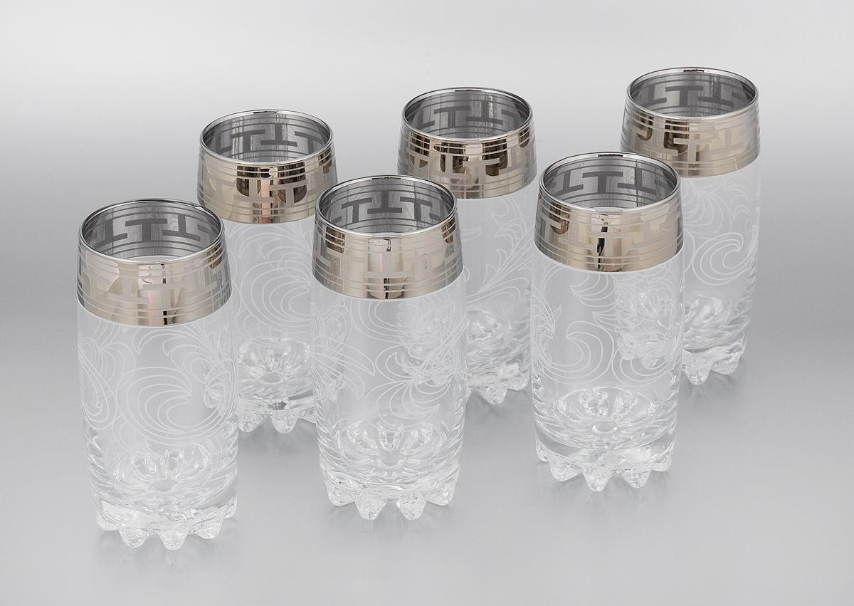 Набор стаканов Гусь-Хрустальный Греческий узор, 390 мл, 6 штVT-1520(SR)Набор Гусь-Хрустальный Греческий узор состоит из 6 высоких стаканов, изготовленных из высококачественного натрий-кальций-силикатного стекла. Изделия оформлены красивым зеркальным покрытием и прозрачным орнаментом. Стаканы предназначены для подачи коктейлей, а также воды и сока. Такой набор прекрасно дополнит праздничный стол и станет желанным подарком в любом доме. Разрешается мыть в посудомоечной машине. Диаметр стакана (по верхнему краю): 6 см. Высота стакана: 14,7 см.