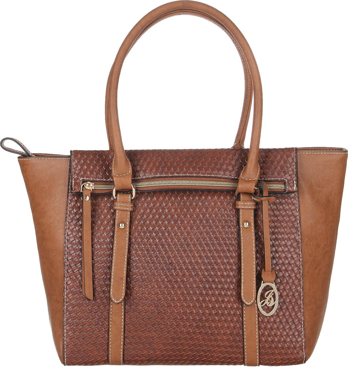 Сумка женская Jane Shilton, цвет: коричневый. 20582058tanСтильная женская сумка Jane Shilton, выполненная из искусственной кожи, оформлена тиснением под плетение и дополнена фирменным брелоком. Изделие имеет одно основное отделение, закрывающееся на застежку-молнию. Внутри находятся прорезной карман на застежке-молнии и накладной открытый карман. Снаружи, на передней стенке расположен оригинальный карман на застежке-молнии, на задней стенке - прорезной карман на застежке-молнии. Модель оснащена двумя удобными ручками. Роскошная сумка внесет элегантные нотки в ваш образ и подчеркнет ваше отменное чувство стиля.