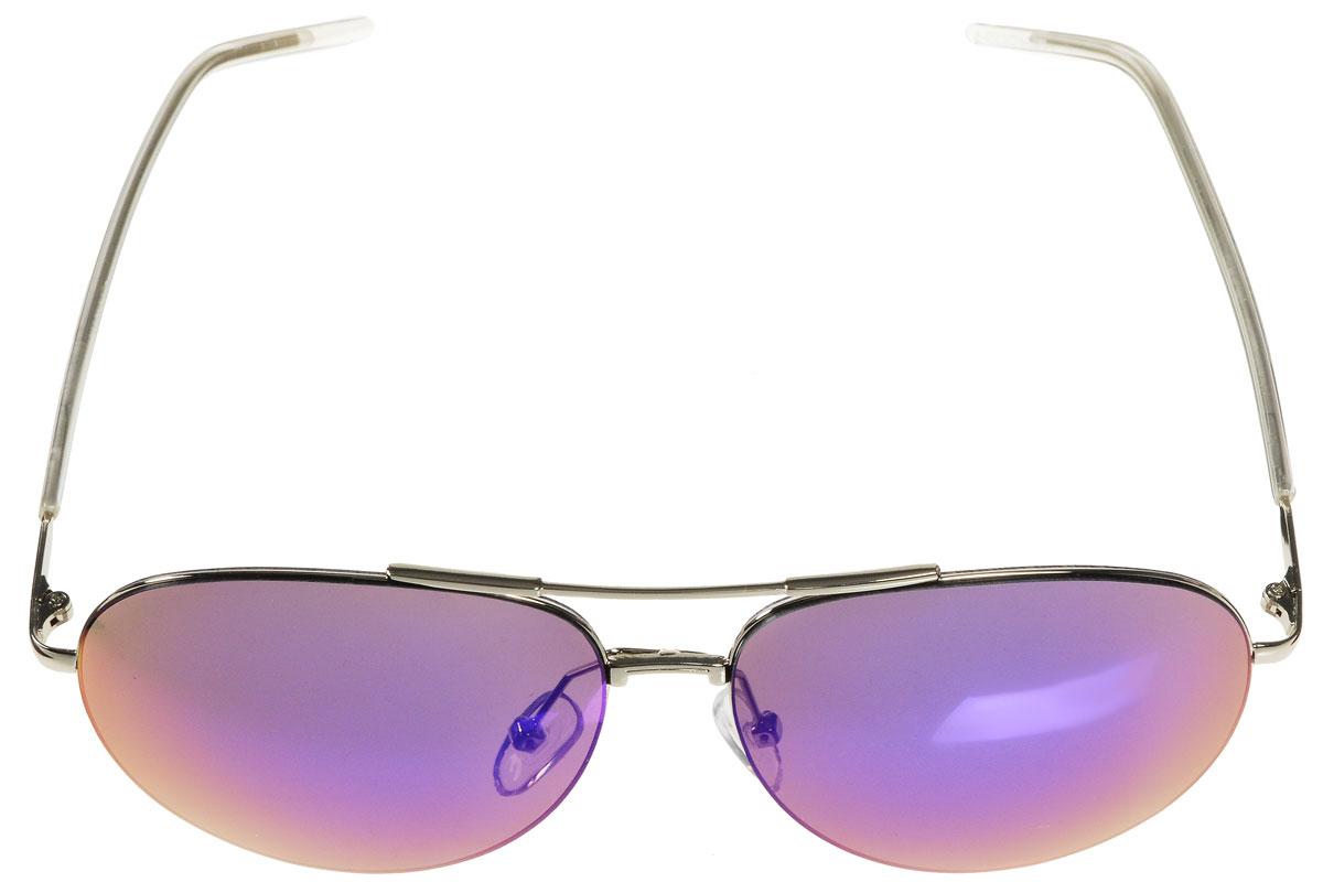 Очки солнцезащитные женские Vitacci, цвет: серебряный. O171T-8V-KMСтильные солнцезащитные очки Vitacci выполнены из металла с элементами из высококачественного пластика.Линзы данных очков имеют степень затемнения С5, а также обладают высокоэффективным поляризационным покрытием со степенью защиты от ультрафиолетового излучения UV400. Используемый пластик не искажает изображение, не подвержен нагреванию и вредному воздействию солнечных лучей. Оправа очков легкая, прилегающей формы, дополнена носоупорами и поэтому обеспечивает максимальный комфорт.Такие очки защитят глаза от ультрафиолетовых лучей, подчеркнут вашу индивидуальность и сделают ваш образ завершенным.