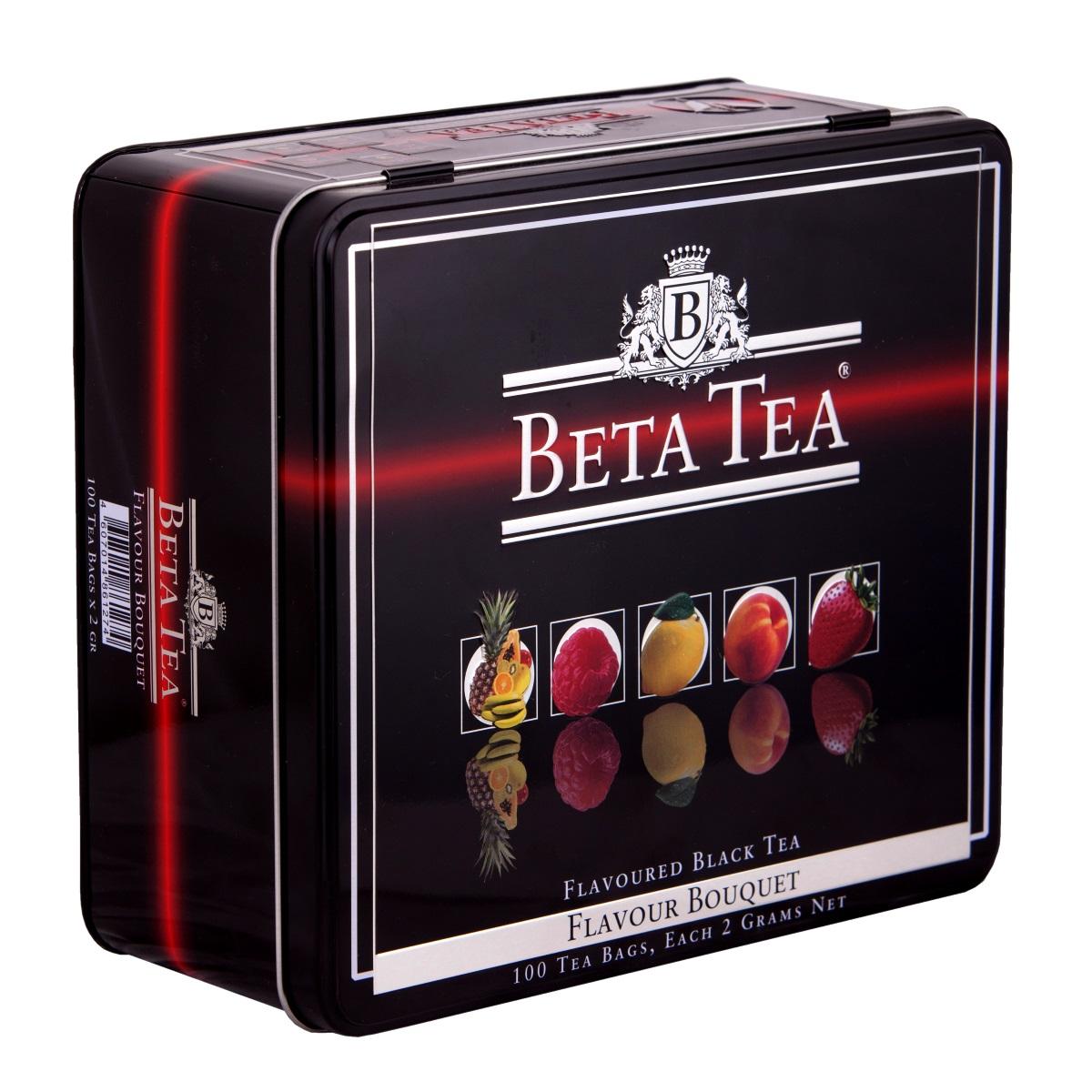 Beta Tea Букет ароматов чайный набор, 100 шт (подарочная упаковка)0120710Совершенный баланс высококачественного черного чая и нежного аромата натуральных фруктов и ягод, продолжительная свежесть и богатство оттенков вкуса делают Beta Tea Букет ароматов не только изумительным тонизирующим, но и великолепным десертным напитком, способным удовлетворить вкусы самых придирчивых чайных гурманов. Набор включает в себя:Чай Beta Tea Малина (20 шт., 40 г.). Он содержит в себе неповторимый аромат малины, что придает напитку изысканный вкус. Этот чай, собранный с самых лучших плантаций Цейлона, производится в экологически чистых условиях при помощи современных технологий.Чай Beta Tea Мультифруктовый (20 шт., 40 г.) с превосходным вкусом в сочетании с фруктовым ароматом доставит удовольствие всем любителям чая. В его состав входит смесь лучших сортов из Индии, Цейлона и Кении.Beta Tea Лимон (20 шт., 40 г.) содержит в себе приятный аромат лимона, что придает чаю изысканный вкус. Этот чай, собранный с самых лучших плантаций Цейлона, производится в экологически чистых условиях при помощи современных технологий.Чай Beta Tea Клубника (20 шт., 40 г.). Он содержит в себе яркий аромат клубники, что придает напитку неповторимый вкус. Этот чай, собранный с самых лучших плантаций Цейлона, производится в экологически чистых условиях при помощи современных технологий.Чай Beta Tea Персик (20 шт., 40 г.). Напиток содержит в себе неповторимый персиковый аромат, что придает ему изысканный вкус. Этот чай, собранный с самых лучших плантаций Цейлона, производится в экологически чистых условиях при помощи современных технологий.