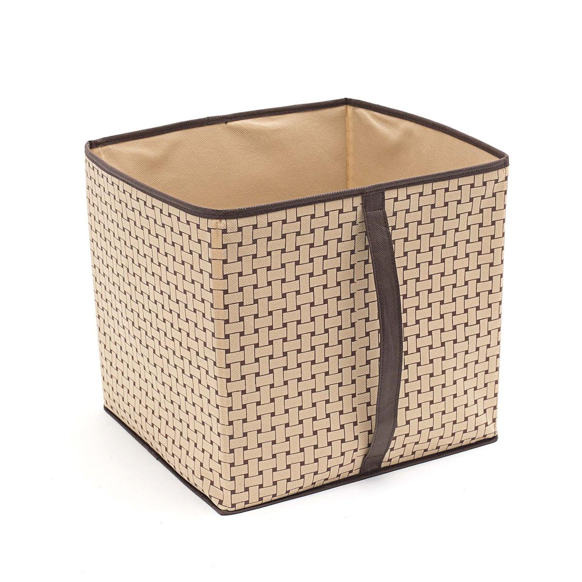 Кофр для хранения Homsu Pletenka, 30 х 33 х 32 смHOM-301Кофр для хранения Homsu Pletenka изготовлен из высококачественного нетканого полотна. Кофр имеет одно большое отделение, где вы можете хранить различные бытовые вещи, нижнее белье, одежду и многое другое. Вставки из картона обеспечивают прочность конструкции. Стильный принт, модный цвет и качество исполнения сделают такой кофр незаменимым для хранения ваших вещей.