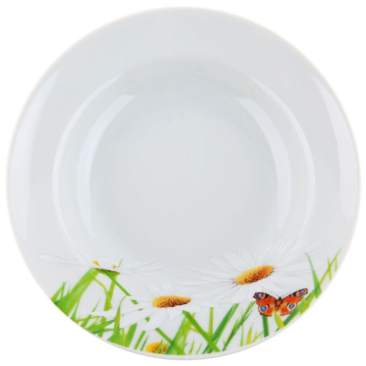 Тарелка глубокая Идиллия. Ромашка, диаметр 24 см1280311Глубокая тарелка Идиллия. Ромашка выполнена из высококачественного фарфора и украшена ярким цветочным рисунком. Она прекрасно впишется в интерьер вашей кухни и станет достойным дополнением к кухонному инвентарю. Тарелка Идиллия. Ромашка подчеркнет прекрасный вкус хозяйки и станет отличным подарком.