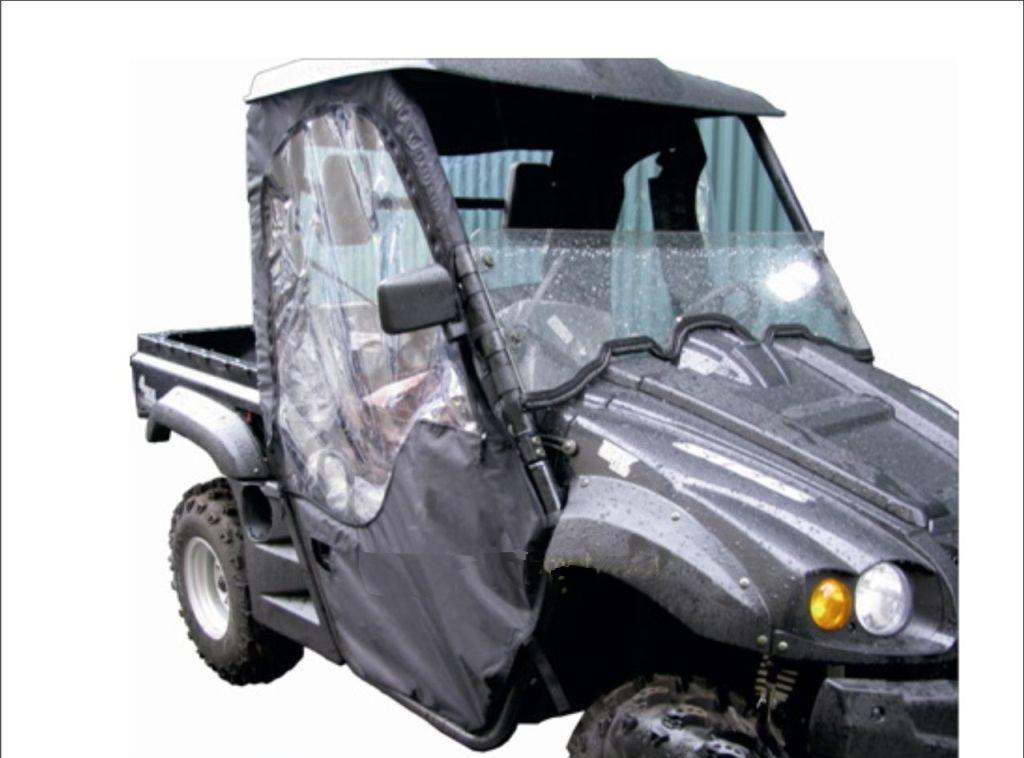 Текстильная кабина AG-brand Stels 700H, цвет: черныйAG-STS-UTV-700H-Cab-BLКабина выполнена из высокопрочных влагоотталкивающих тканей с ПУ и ПВХ пропиткой, плотностью не менее 270 гр/м2 - от 800 до 1680den. Модель текстильной кабины Stels 700H снабжена вставками-окнами из плотной пленки ПВХ - 2 боковых окна и 1 заднее. Дверные стенки текстильной кабины снабжены надежными молниями. Крепление к раме - прочная контактная лента.