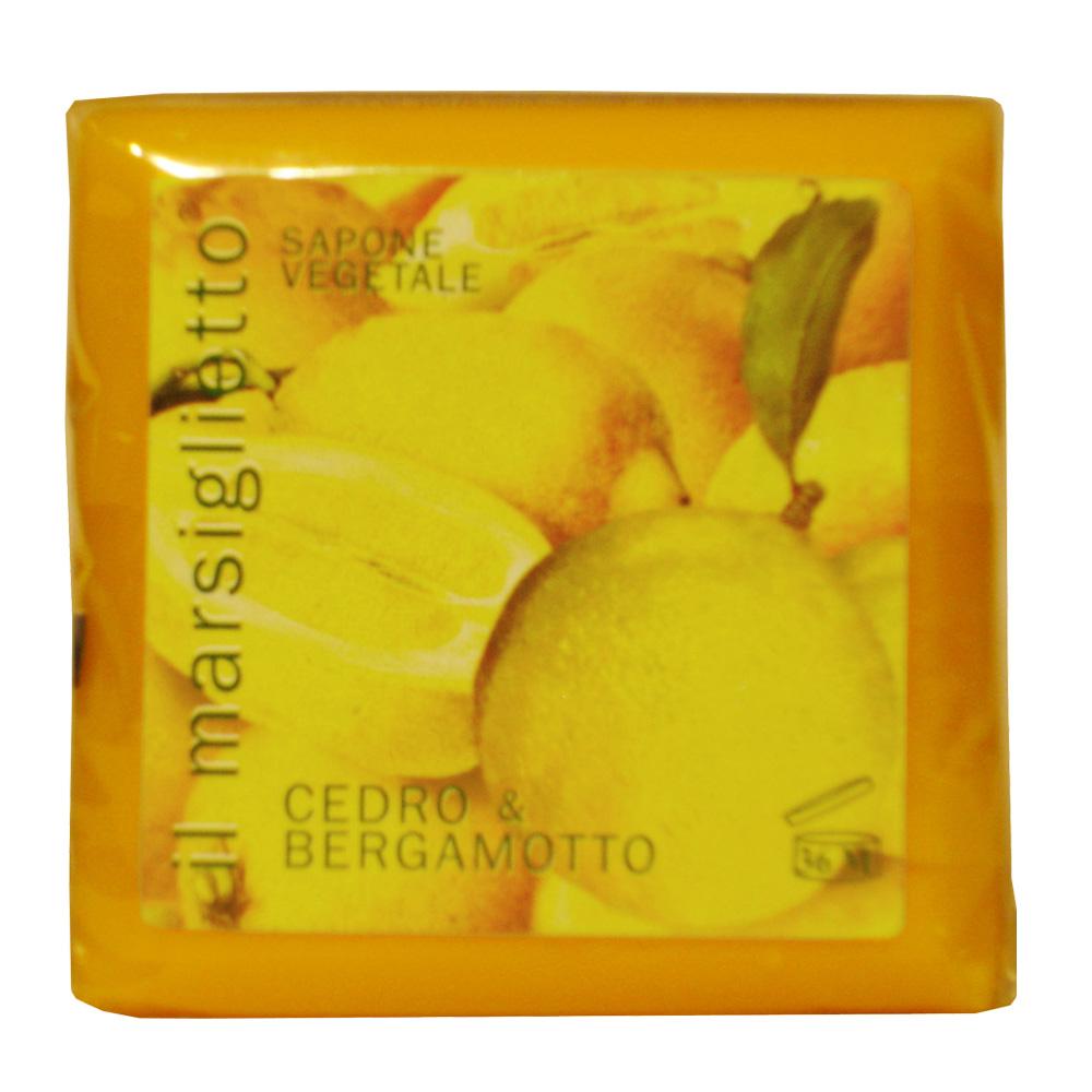 Мыло Nesti Dante Il Marsiglietto. Лимон и бергамот, 100 гSatin Hair 7 BR730MNНатуральное растительное мыло Nesti Dante Il Marsiglietto. Лимон и бергамот изготовлено по старинным рецептам и по традиционной котловой технологии, в составе мыла только натуральные оливковое и пальмовое масло высочайшего качества, для ароматизации использованы органические эфирные масла. Ежедневный ритуал красоты, любви и заботы не только для тела, но и для души. Il Marsiglietto - линия классического мыла создана для традиционного ухода за кожей. Солнечные нотки освежающих, сочных фруктов растворились в ароматном растительном мыле Лимон и бергамот, природные масла смягчают и делают кожу шелковистой и нежной, экстракты цитрусов приятно освежают, заряжая энергией и бодростью. Кожа чувствует свежесть и чистоту, и выглядит обновленной. Характеристики:Вес: 100 г. Производитель: Италия. Товар сертифицирован. Nesti Dante - одна из немногих итальянских мыловаренных фабрик, которая продолжает использовать в производстве только натуральные ингредиенты и кустарный способ производства. Тщательный выбор каждого ингредиента в отдельности позволяет использовать ценное сырье, такое как цельные нейтральные растительные и животные жиры и эти качественные материалы позволяют получать более обогащенное и более мягкое мыло благодаря присутствию фракции глицерида в жирах.