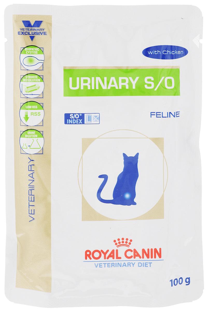 Консервы Royal Canin Urinary Feline S/O для кошек, при заболеваниях мочекаменной болезнью, 100 г0120710Консервы Royal Canin Urinary Feline S/O предназначены для кошек с заболеваниями нижних мочевыводящих путей. Показания: - Растворение струвитов; - Профилактика рецидивов уролитиаза, вызываемого струвитами и оксалатами кальция. Примечание: - При повторяющемся идиопатическом цистите рекомендуется влажный диетический корм Urinary S/O Feline; - Перед назначением пожилым животным корма Urinary S/O Feline необходимо убедиться в нормальном функционировании их почек. Противопоказания: - Беременность, лактация, рост; - Хроническая почечная недостаточность; - Метаболический ацидоз; - Сердечная недостаточность; - Гипертония; - Применение лекарственных препаратов, которые используются для подкисления мочи. Длительность курса применения: Струвитные камни растворяются при применении специальной диеты в течение 5-12 недель. Для предупреждения рецидивов уролитиаза курс лечения следует продолжать еще не менее 6 месяцев, при этом необходимо регулярное проведение анализов мочи. После выздоровления рекомендуется использовать корма из гаммы Neutered. Особенности: - Низкий уровень RSS Ненасыщенная моча - неблагоприятная среда для кристаллизации и, следовательно, для образования струвитных и оксалатных камней. - Разбавление мочиПри применении Urinary S/O Feline объем мочи увеличивается, что позволяет предупредить образование кристаллов струвита и оксалата кальция. Таким образом, осуществляется профилактика двух основных видов уролитиаза. - Идиопатический циститВлажный корм содержит воду, благодаря чему моча кошки становится менее концентрированной. Около 64% всех случаев - идиопатический цистит, при рецидиве которого предпочтительнее использовать влажный корм. - Растворение струвитовКорм Urinary S/O Feline эффективно растворяет струвиты. Состав: мясо птицы, свинина, печень птицы, кукурузная мука, яичный порошок, масло подсолнечника, целлюлоза, рыбий жир, минеральные вещества, таурин, гидр