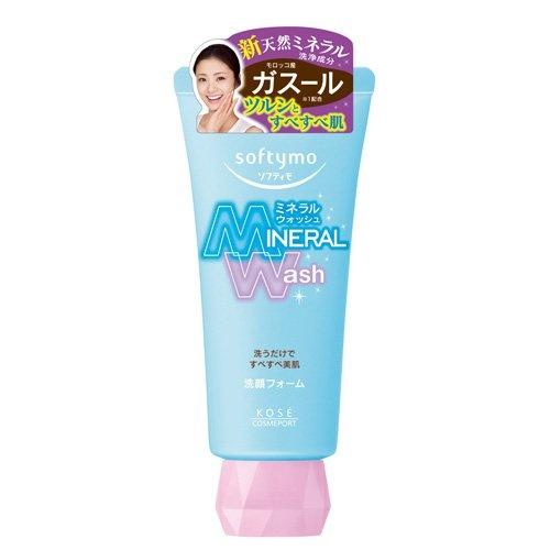 Кose Очищающая пенка для умывания c цветочным ароматом, Softymo Mineral Wash 130 гFS-00103Минеральная пенка для жирной кожи. Содержит марокканскую глину гассуль - для гладкой нежной кожи. Эффективно удаляет загрязнения и остатки макияжа. содержит жемчужную пудру и экстракт мидий, термальную воду, минеральную глину, экстракт чая и черный сахар, экстракты черных бобов, сливы и чая. Легкий цветочный аромат. Без красителей.Способ применения: выдавите необходимое количество средства и нанесите на влажное лицо. Вспеньте, нежно массируя, уделяя особое внимание проблемным зонам. Смойте теплой водой.Меры предосторожности: В случае попадания средства в глаза, немедленно промойте водой.Храните в месте недоступном для детей.Плотно закрывайте крышку после использования.Частички глины гассуль могут скатываться и приобретать желтоватый оттенок, что является естественным процессом и никак не влияет на качество продукта.