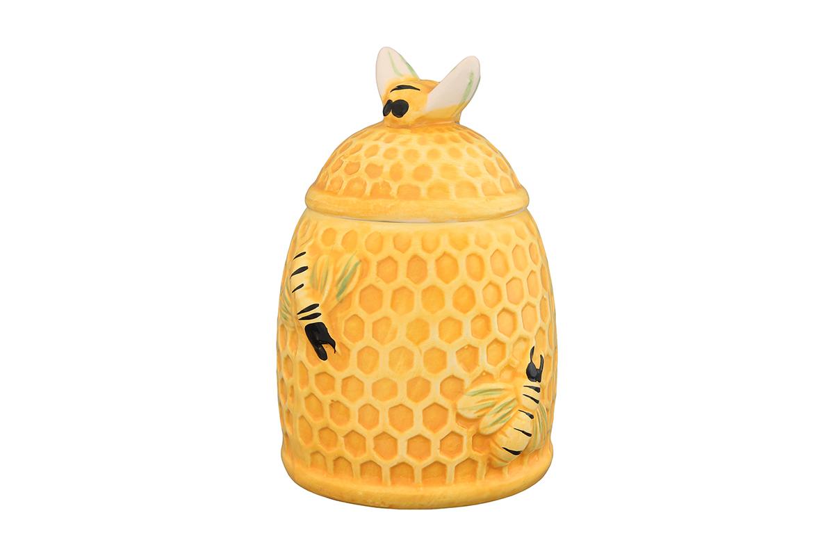 Горшочек для меда Elan Gallery Пчелки на сотах, 300 мл110850Горшочек для меда Elan Gallery Пчелки на сотах, выполненный из высококачественной керамики, лучший подарок для сладкоежки. Изделие снабжено плотно закрывающейся крышкой. Можно использовать для сыпучих продуктов - соли и сахара. Размер банки: 9 х 9 х 13 см.