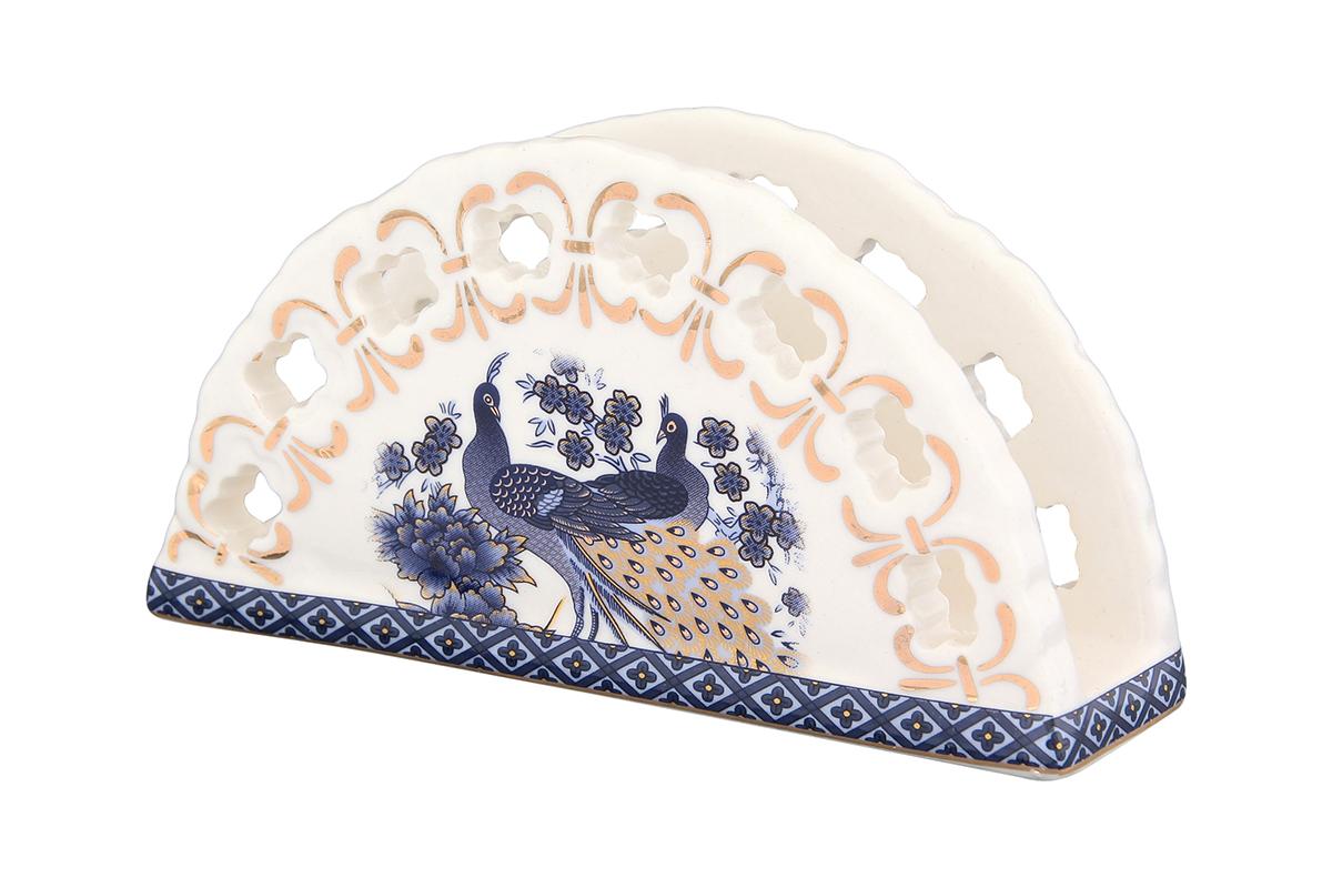 Салфетница Elan Gallery Павлин синий, 13,5 х 4,5 х 7,5 см730514Салфетница Elan Gallery Павлин синий изготовлена из высококачественной керамики и оформлена оригинальным рисунком. Она сочетает в себе изысканный дизайн с максимальной функциональностью. Компактная и в то же время вместительная салфетница станет не только украшением любого стола, но и отличным подарком.
