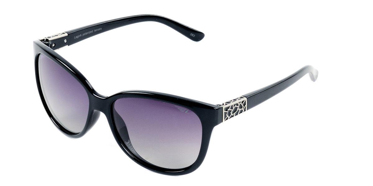 Очки женские поляризационные Legna, цвет: черный. S8407AINT-06501Стильные солнцезащитные очки Legna сделают приятной прогулку в жаркий солнечный полдень. Их также по достоинству оценят водители, так как эта модель очков оснащена уникальными поляризационными линзами, которые задерживают раздражающие блики, что гарантирует полный зрительный комфорт и, как результат, повышенную безопасность. Высокоэффективный встроенный УФ фильтр обеспечивает совершенную защиту от вредных ультрафиолетовых лучейКроме того, это эффектный аксессуар, который наверняка станет «изюминкой» вашего индивидуального стиля. Оправа не только красивая, но и прочная, а линзы со временем не покроются мелкими царапинами. Чистка и обслуживание:Вымыть теплой водой, вытереть мягкой сухой салфеткой. Условия хранения: в футляре при нормальных климатических условиях.Предупреждение:Не использовать в солярии, не смотреть на прямые солнечные лучи, не использовать при управлении автомобилем в сумерках и ночью.