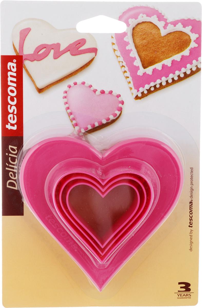 Формочки для вырезания печенья Tescoma Сердечки, двухсторонние, 3 шт630862Формочки для вырезания печенья Tescoma Сердечки изготовлены из пластика. В наборе 3 формочки в виде сердца разных размеров. Предназначены для вырезания печенья, создания сладких украшений, бутербродов и других изделий. Можно использовать как трафареты для поделок. С такими формами-резаками можно сделать множество интересных фигурок. Можно мыть в посудомоечной машине. Размер форм: 4 см; 4,8 см; 5,5 см; 6,8 см; 8 см; 9,5 см.