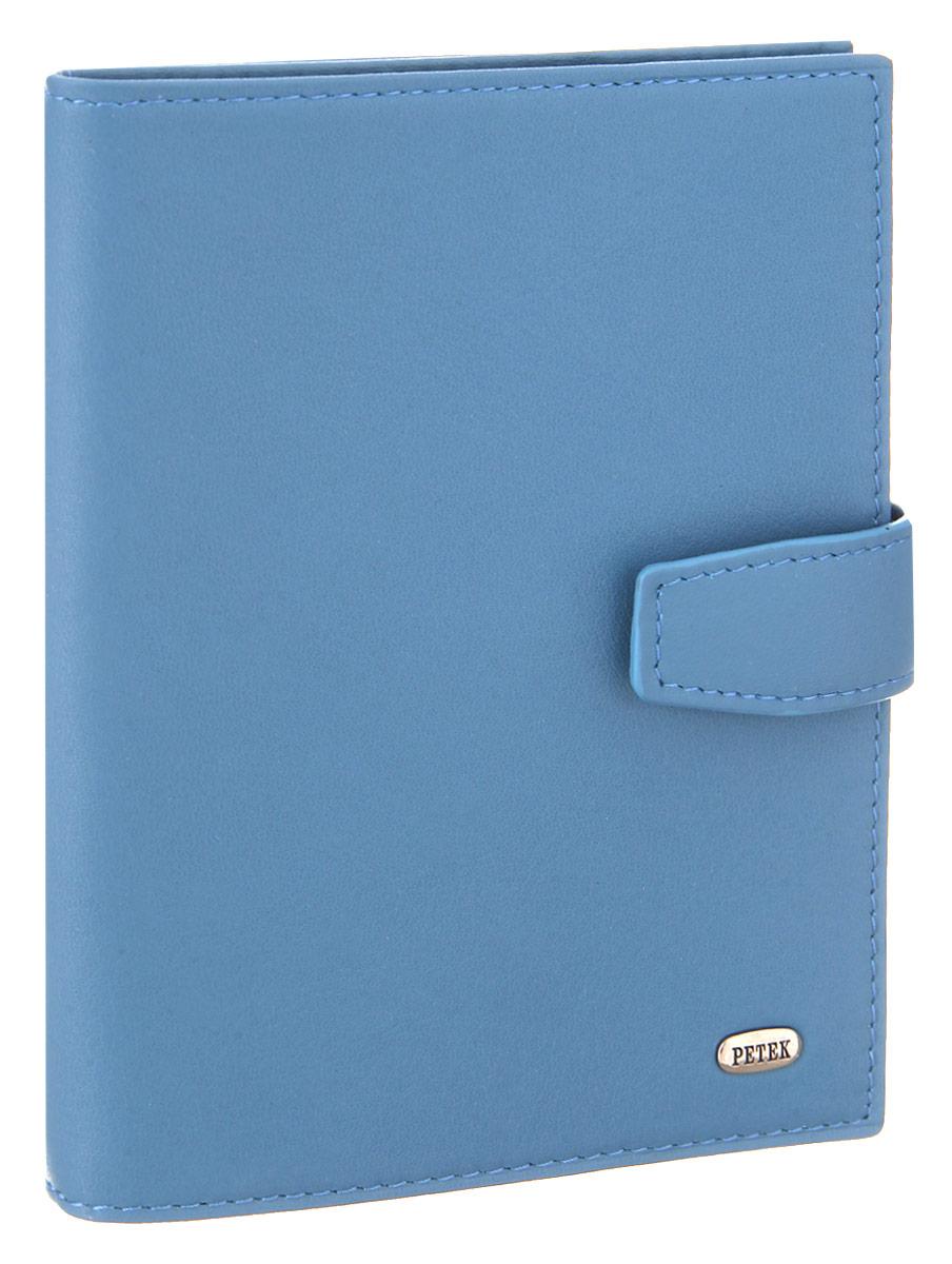 Обложка для паспорта и автодокументов Petek 1855, цвет: голубой. 595.167.22595.167.22 L.BlueОбложка для паспорта и автодокументов Petek 1855 выполнена из натуральной кожи. Внутри имеет отделение для паспорта, два боковых сетчатых кармана и съемный блок из шести прозрачных файлов из мягкого пластика, один из которых формата А5. Обложка закрывается на хлястик с кнопкой. Обложка упакована в фирменную коробку. Изделие сочетает в себе классический дизайн и функциональность. Обложка не только поможет сохранить внешний вид ваших документов и защитит их от повреждений, но и станет стильным аксессуаром, который подчеркнет ваш неповторимый стиль.