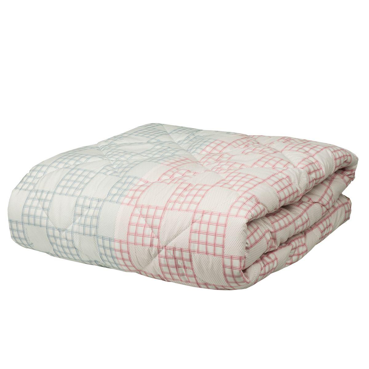 Одеяло Mona Liza Chalet Climat Control, цвет: серый, розовый, 170 х 200 см539938/1Одеяло Mona Liza Chalet Climat Control изготовлено из плотного тика, с отделочным кантом. Одновременно имеет две зоны температурного режима, поскольку наполнитель состоит из двух частей: одна половина изделия более теплая, содержит волокна натуральной шерсти, а вторая половина одеяла прохладная - так как наполнена натуральными растительными волокнами. Такое одеяло сделает спальное место уютным и подарит ощущение комфорта.