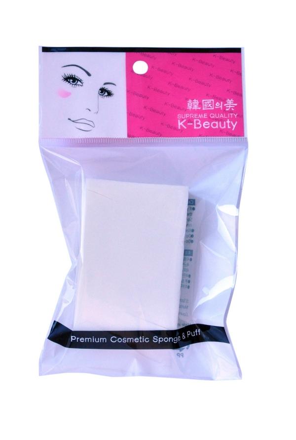 K-Beauty Спонж косметический Прямоугольник, 5х7,5 см, 6 шт400031Косметический спонж предназначен для нанесения тональных средств (корректора, тонального крема, румян, пудры и т.д.), а также коррекции макияжа. Спонж позволяет равномерно распределить не только сухие, но и кремовые текстуры, а его удобная треугольная форма подходит для обработки таких труднодоступных зон, как область вокруг глаз и носогубные складки. Упаковка состоит из 8 отрывных сегментов. Мягкий и нежный спонж не травмирует, подходит даже для чувствительной кожи.