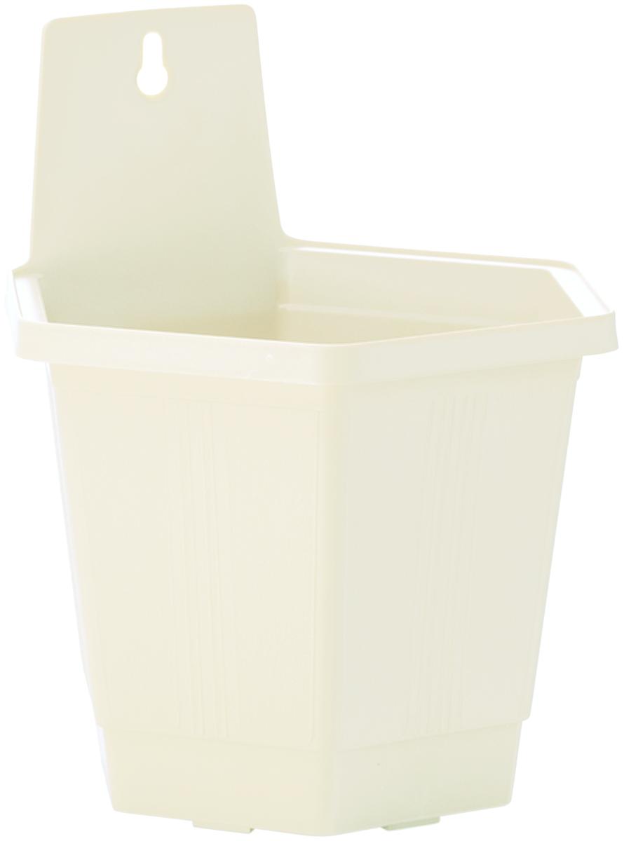 Кашпо настенное InGreen, цвет: белый, 18,5 х 16 х 21,5 смING1498БЛНастенное кашпо InGreen, изготовленное из прочного пластика, прекрасно подходит для выращивания растений и цветов в домашних условиях. Изделие оснащено специальным отверстием для крепления на стену. Стильный лаконичный дизайн впишется в интерьер любого помещения и будет долгие годы радовать глаз. Кашпо InGreen станет неотъемлемым предметом декора для загородных домов.