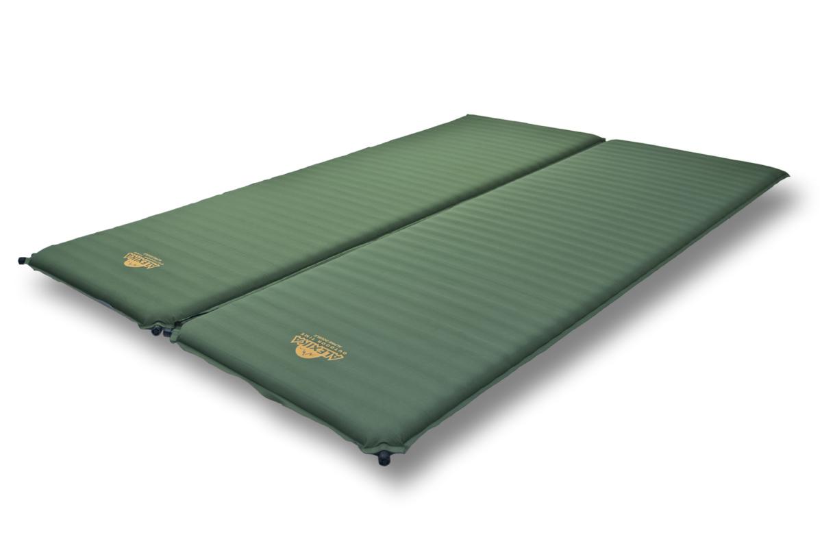 Коврик самонадувающийся Alexika Double Comfort, цвет: зеленый. 9354.759124492Cамонадувающийся коврик увеличенного размера для семейного туризма. Большая, чрезвычайно комфортная двухспальная кровать для выездов на природу. Велюровое покрытие приятно на ощупь и уменьшает скольжение спальников по коврику. Коврики соединены липучкой Veclro, что позволяет использовать их как совместно, так и отдельно друг от друга. Самонадувающийся коврик Alexika Double Comfort - ваш максимальный комфорт для семейного отдыха. Внимание! Во время первого использования коврик необходимо надуть самостоятельно. При дальнейшем использовании коврик будет надуваться сам после открытия клапана.