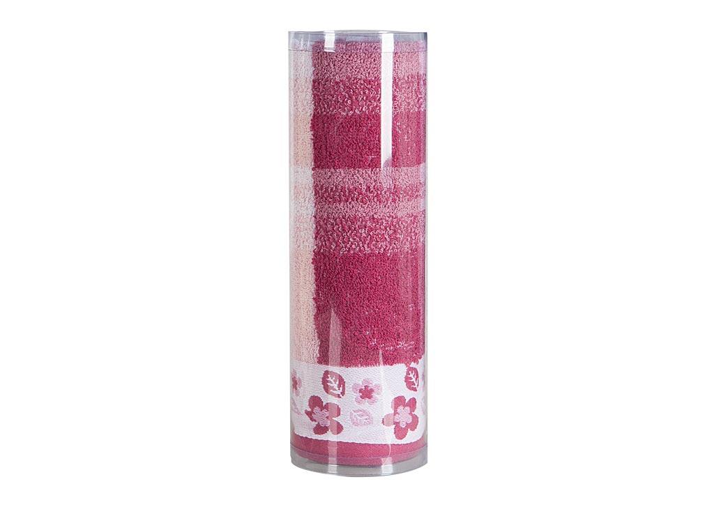 Полотенце махровое Soavita Renata, цвет: бордовый, 48 х 90 см82741Махровое полотно создается из хлопковых нитей, которые, в свою очередь, прядутся из множества хлопковых волокон. Чем длиннее эти волокна, тем прочнее будет нить, и, соответственно, изделие. Длина составляющих хлопковую нить волокон влияет и на фактуру получаемой ткани: чем они длиннее, тем мягче и пушистее получится махровое изделие, тем лучше будет впитывать изделие воду. Хотя на впитывающие качество махры – ее гигроскопичность, не в последнюю очередь влияет состав волокна. Мягкая махровая ткань отлично впитывает влагу и быстро сохнет. Soavita – это популярный бренд домашнего текстиля. Дизайнерская студия этой фирмы находится во Флоренции, Италия. Производство перенесено в Китай, чтобы сделать продукцию более доступной для покупателей. Таким образом, вы имеете возможность покупать продукцию европейского качества совсем не дорого. Домашний текстиль прослужит вам долго: все детали качественно прошиты, ткани очень плотные, рисунок наносится безопасными для здоровья красителями, не...
