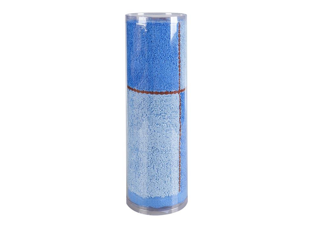 Полотенце махровое Soavita Азия, цвет: синий, 65 х 135 см83017Махровое полотно создается из хлопковых нитей, которые, в свою очередь, прядутся из множества хлопковых волокон. Чем длиннее эти волокна, тем прочнее будет нить, и, соответственно, изделие. Длина составляющих хлопковую нить волокон влияет и на фактуру получаемой ткани: чем они длиннее, тем мягче и пушистее получится махровое изделие, тем лучше будет впитывать изделие воду. Хотя на впитывающие качество махры – ее гигроскопичность, не в последнюю очередь влияет состав волокна. Мягкая махровая ткань отлично впитывает влагу и быстро сохнет. Soavita – это популярный бренд домашнего текстиля. Дизайнерская студия этой фирмы находится во Флоренции, Италия. Производство перенесено в Китай, чтобы сделать продукцию более доступной для покупателей. Таким образом, вы имеете возможность покупать продукцию европейского качества совсем не дорого. Домашний текстиль прослужит вам долго: все детали качественно прошиты, ткани очень плотные, рисунок наносится безопасными для здоровья красителями, не...