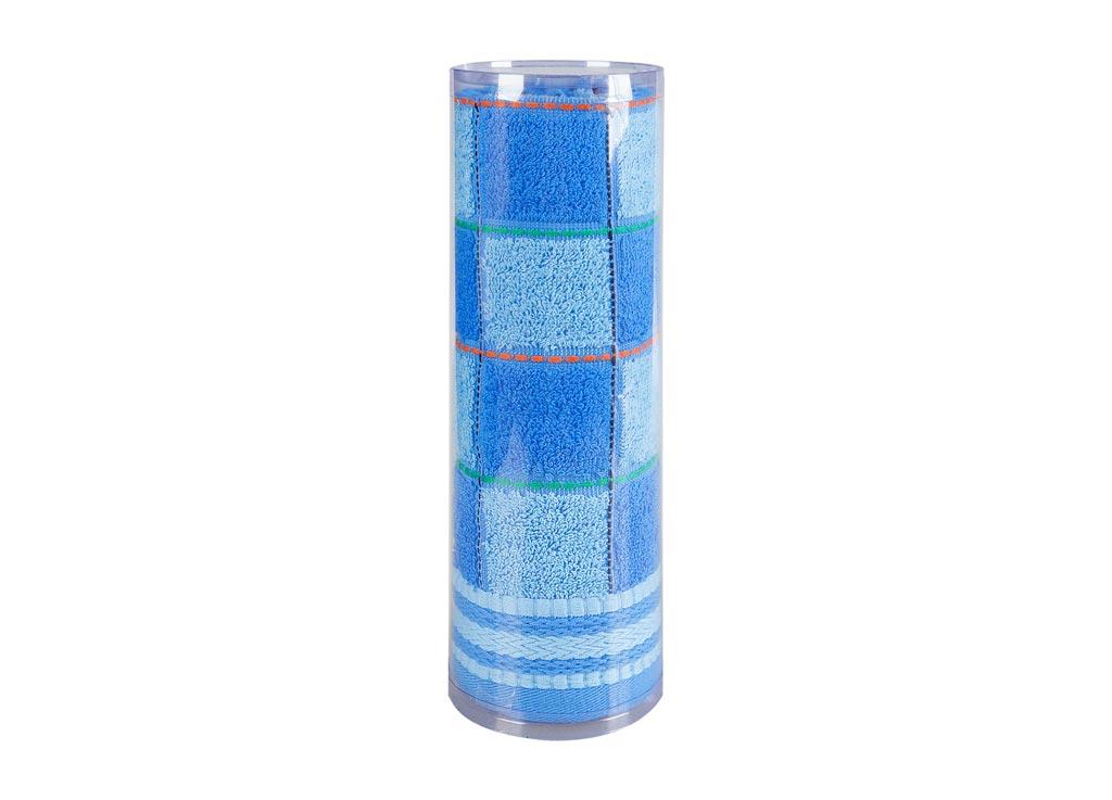 Полотенце махровое Soavita Шахматы, цвет: синий, 45 х 90 см83023Махровое полотно создается из хлопковых нитей, которые, в свою очередь, прядутся из множества хлопковых волокон. Чем длиннее эти волокна, тем прочнее будет нить, и, соответственно, изделие. Длина составляющих хлопковую нить волокон влияет и на фактуру получаемой ткани: чем они длиннее, тем мягче и пушистее получится махровое изделие, тем лучше будет впитывать изделие воду. Хотя на впитывающие качество махры – ее гигроскопичность, не в последнюю очередь влияет состав волокна. Мягкая махровая ткань отлично впитывает влагу и быстро сохнет. Soavita – это популярный бренд домашнего текстиля. Дизайнерская студия этой фирмы находится во Флоренции, Италия. Производство перенесено в Китай, чтобы сделать продукцию более доступной для покупателей. Таким образом, вы имеете возможность покупать продукцию европейского качества совсем не дорого. Домашний текстиль прослужит вам долго: все детали качественно прошиты, ткани очень плотные, рисунок наносится безопасными для здоровья красителями, не...