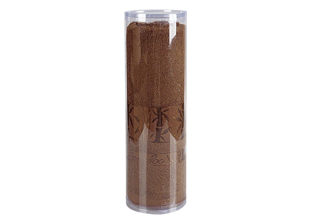 Полотенце махровое Soavita Daniel, цвет: коричневый, 70 х 130 см83149Махровое полотно создается из хлопковых нитей, которые, в свою очередь, прядутся из множества хлопковых волокон. Чем длиннее эти волокна, тем прочнее будет нить, и, соответственно, изделие. Длина составляющих хлопковую нить волокон влияет и на фактуру получаемой ткани: чем они длиннее, тем мягче и пушистее получится махровое изделие, тем лучше будет впитывать изделие воду. Хотя на впитывающие качество махры – ее гигроскопичность, не в последнюю очередь влияет состав волокна. Мягкая махровая ткань отлично впитывает влагу и быстро сохнет. Soavita – это популярный бренд домашнего текстиля. Дизайнерская студия этой фирмы находится во Флоренции, Италия. Производство перенесено в Китай, чтобы сделать продукцию более доступной для покупателей. Таким образом, вы имеете возможность покупать продукцию европейского качества совсем не дорого. Домашний текстиль прослужит вам долго: все детали качественно прошиты, ткани очень плотные, рисунок наносится безопасными для здоровья красителями, не...