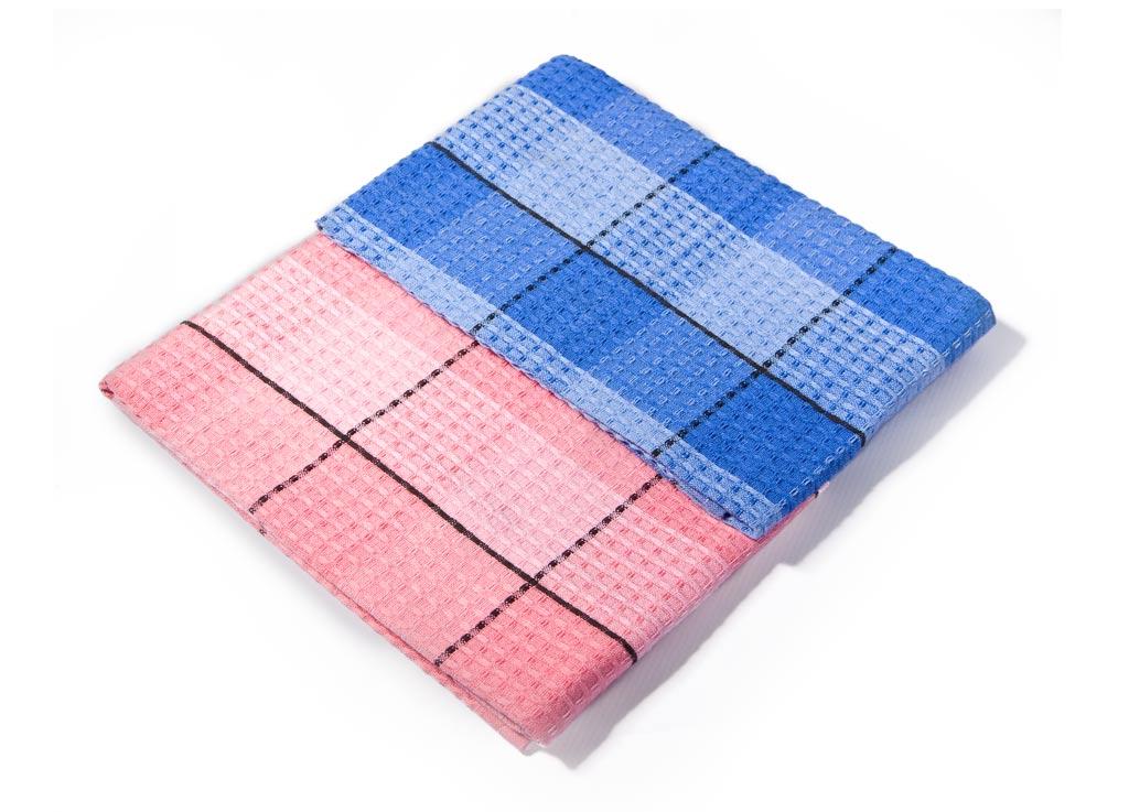 Набор кухонных полотенец Soavita Клетка, цвет: синий, розовый, 40 х 70 см, 3 шт52339Набор Soavita Клетка состоит из 3 полотенец. Изделия выполнены из хлопка. Полотенца используются для протирки различных поверхностей, также широко применяются в быту. Такой набор станет отличным вариантом для практичной и современной хозяйки. Перед использованием постирать при температуре не выше 40 градусов.