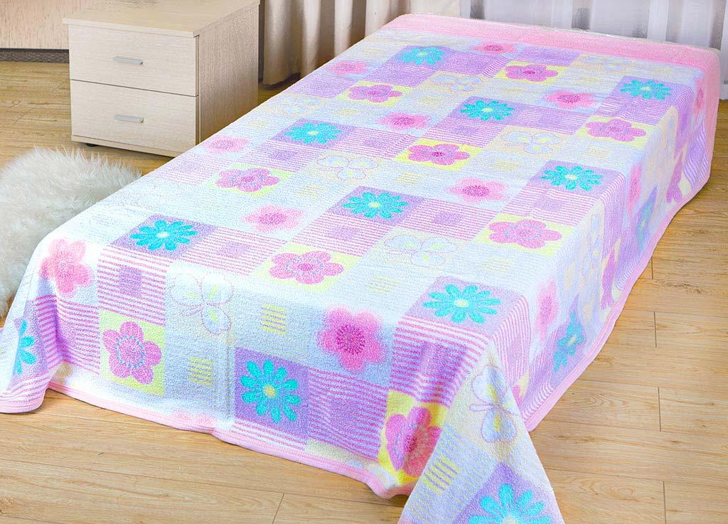 Покрывало летнее Soavita Цветы, цвет: розовый, 180 х 220 см62953Махровое полотно создается из хлопковых нитей, которые, в свою очередь, прядутся из множества хлопковых волокон. Чем длиннее эти волокна, тем прочнее будет нить, и, соответственно, изделие. Длина составляющих хлопковую нить волокон влияет и на фактуру получаемой ткани: чем они длиннее, тем мягче и пушистее получится махровое изделие, тем лучше будет впитывать изделие воду. Хотя на впитывающие качество махры – ее гигроскопичность, не в последнюю очередь влияет состав волокна. Мягкая махровая ткань отлично впитывает влагу и быстро сохнет. Soavita – это популярный бренд домашнего текстиля. Дизайнерская студия этой фирмы находится во Флоренции, Италия. Производство перенесено в Китай, чтобы сделать продукцию более доступной для покупателей. Таким образом, вы имеете возможность покупать продукцию европейского качества совсем не дорого. Домашний текстиль прослужит вам долго: все детали качественно прошиты, ткани очень плотные, рисунок наносится безопасными для здоровья красителями, не...