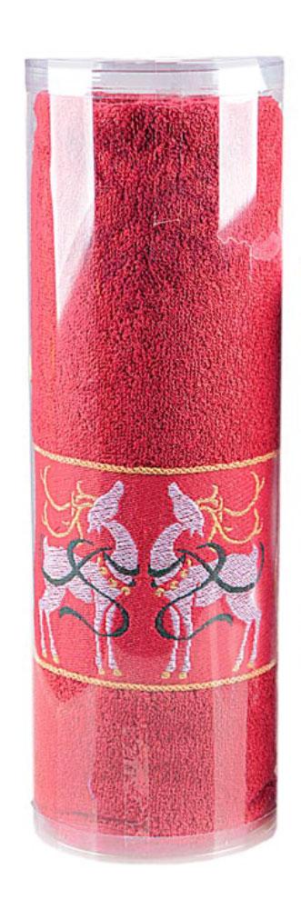 Полотенце Soavita Deer, цвет: красный, 70 х 130 см531-401Махровое полотенце Soavita Deer выполнено из хлопка. Полотенца используются для протирки различных поверхностей, также широко применяются в быту.Такой набор станет отличным вариантом для практичной и современной хозяйки.Махровое полотно создается из хлопковых нитей, которые, в свою очередь, прядутся из множества хлопковых волокон. Чем длиннее эти волокна, тем прочнее будет нить, и, соответственно, изделие. Длина составляющих хлопковую нить волокон влияет и на фактуру получаемой ткани: чем они длиннее, тем мягче и пушистее получится махровое изделие, тем лучше будет впитывать изделие воду. Хотя на впитывающие качество махры - ее гигроскопичность, не в последнюю очередь влияет состав волокна. Мягкая махровая ткань отлично впитывает влагу и быстро сохнет.Размер полотенца: 70 х 130 см.