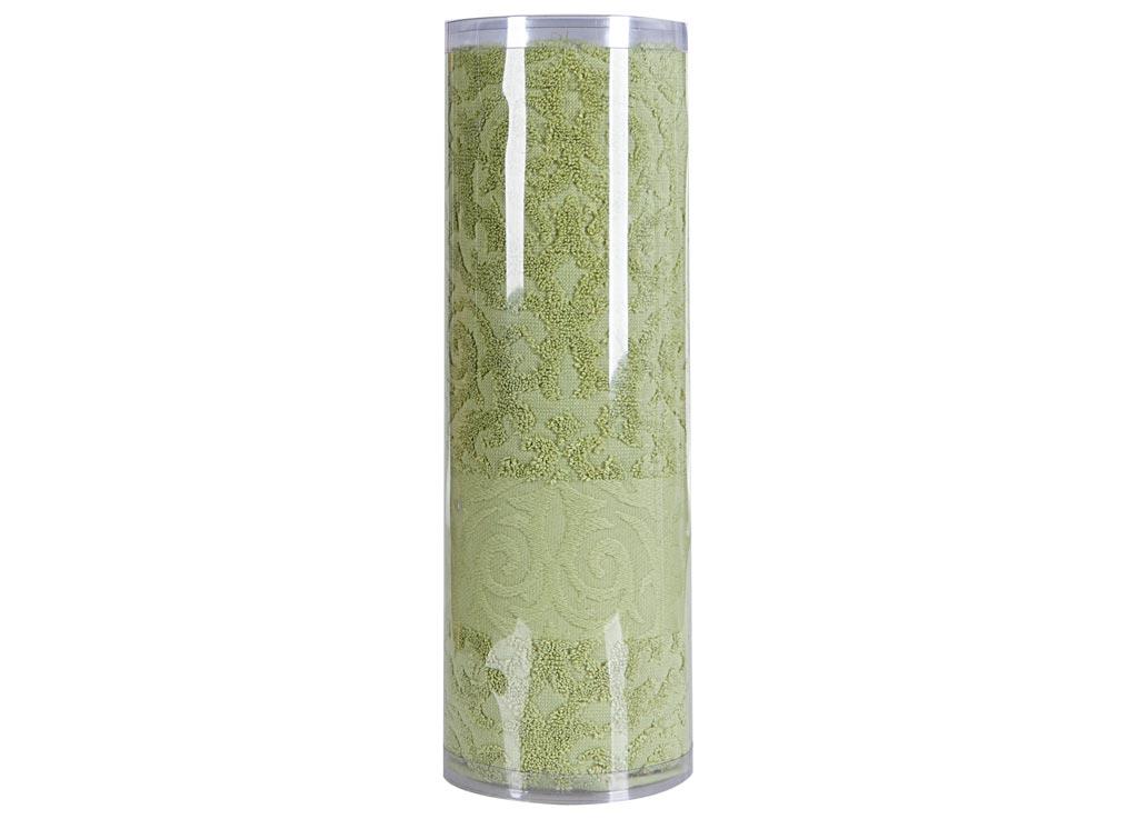 Полотенце махровое Soavita Eo. Квадро, цвет: зеленый, 70 х 140 см74667Махровое полотно создается из хлопковых нитей, которые, в свою очередь, прядутся из множества хлопковых волокон. Чем длиннее эти волокна, тем прочнее будет нить, и, соответственно, изделие. Длина составляющих хлопковую нить волокон влияет и на фактуру получаемой ткани: чем они длиннее, тем мягче и пушистее получится махровое изделие, тем лучше будет впитывать изделие воду. Хотя на впитывающие качество махры – ее гигроскопичность, не в последнюю очередь влияет состав волокна. Мягкая махровая ткань отлично впитывает влагу и быстро сохнет. Soavita – это популярный бренд домашнего текстиля. Дизайнерская студия этой фирмы находится во Флоренции, Италия. Производство перенесено в Китай, чтобы сделать продукцию более доступной для покупателей. Таким образом, вы имеете возможность покупать продукцию европейского качества совсем не дорого. Домашний текстиль прослужит вам долго: все детали качественно прошиты, ткани очень плотные, рисунок наносится безопасными для здоровья красителями, не...